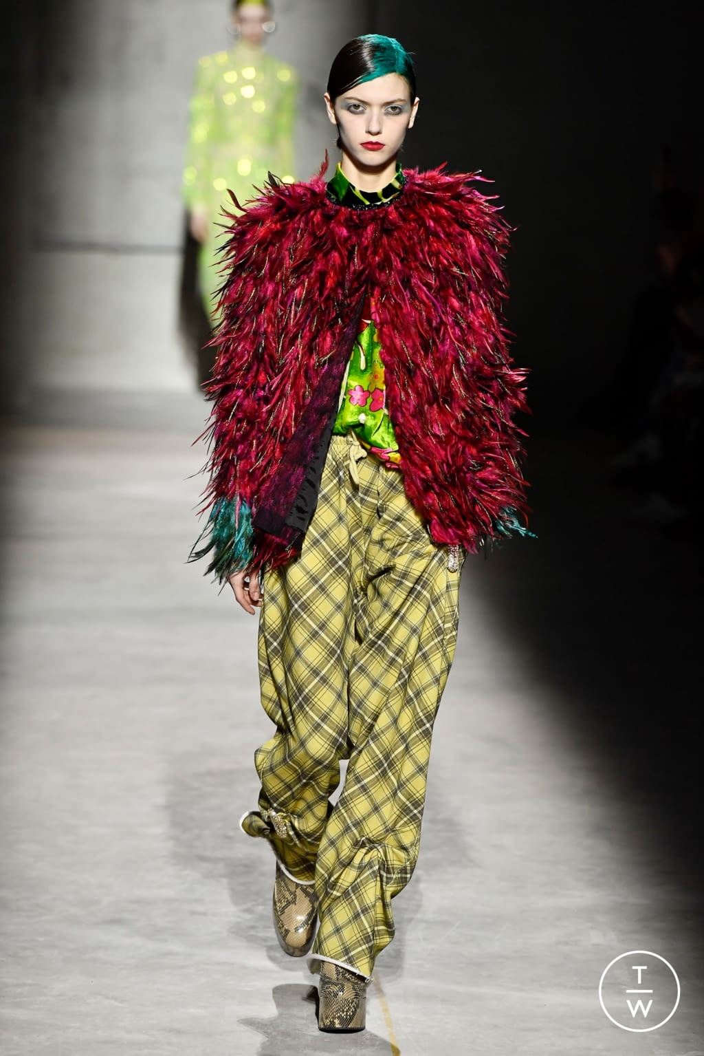 Fashion Week Paris Fall/Winter 2020 look 5 from the Dries Van Noten collection womenswear