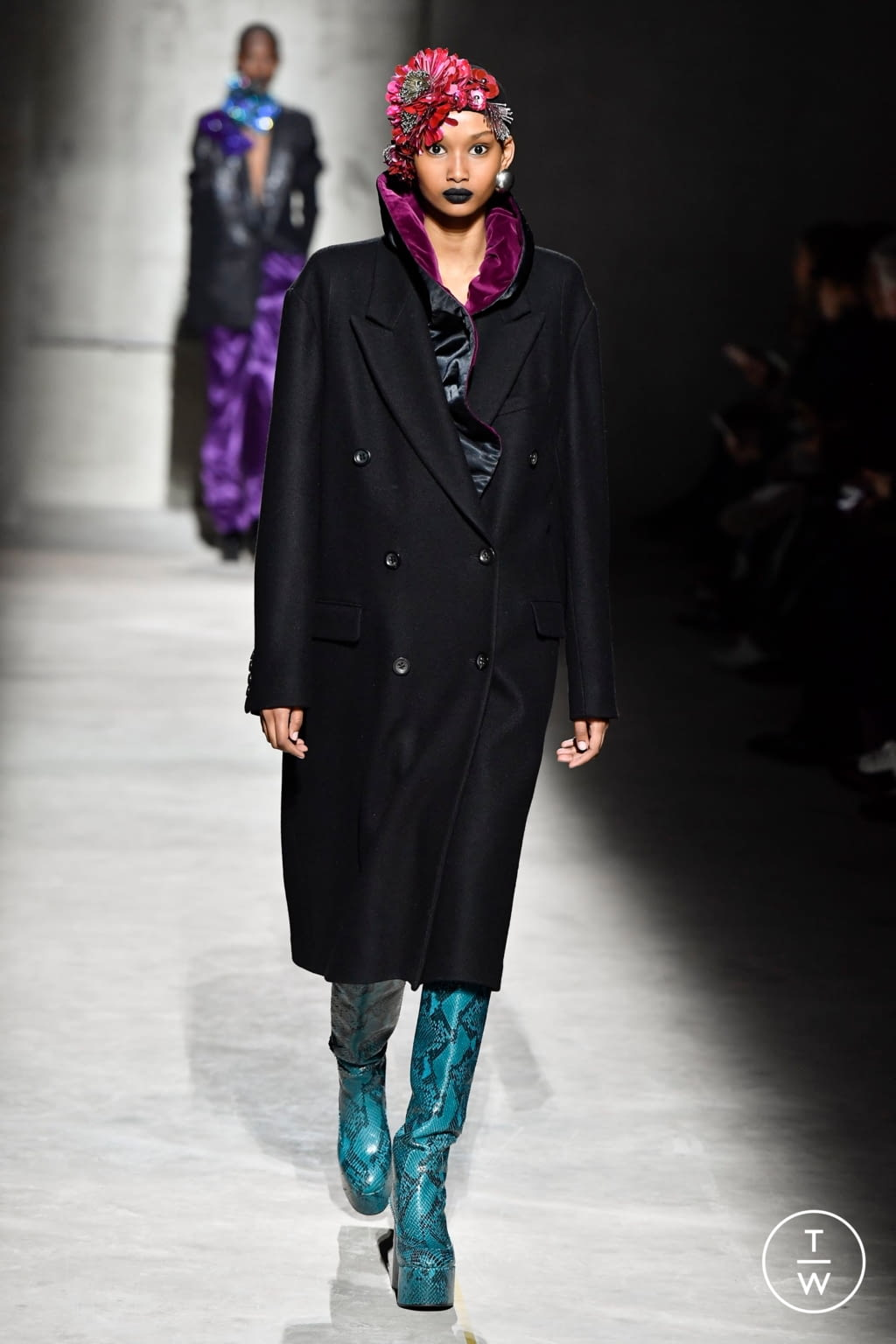 Fashion Week Paris Fall/Winter 2020 look 53 from the Dries Van Noten collection womenswear
