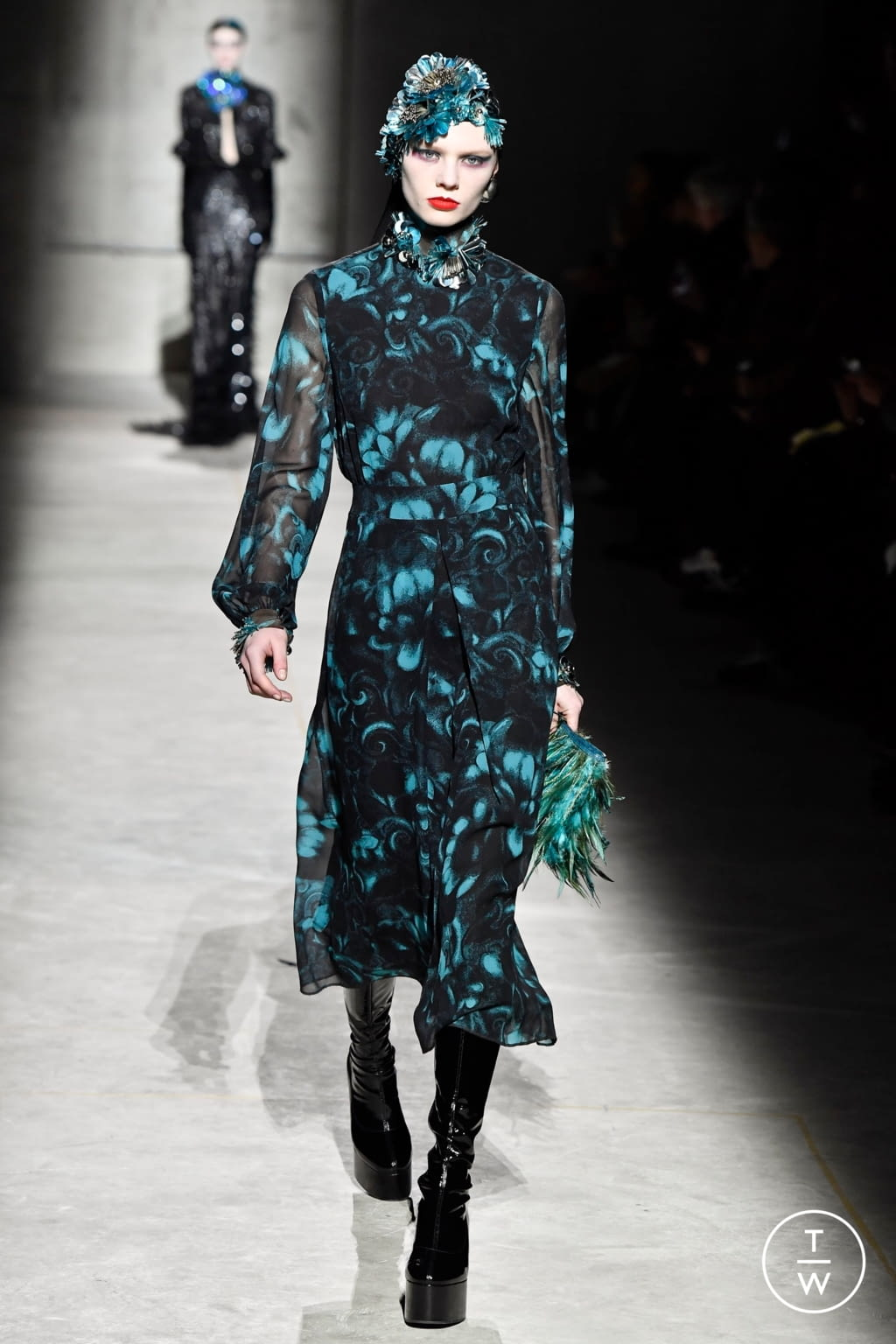Fashion Week Paris Fall/Winter 2020 look 64 from the Dries Van Noten collection womenswear