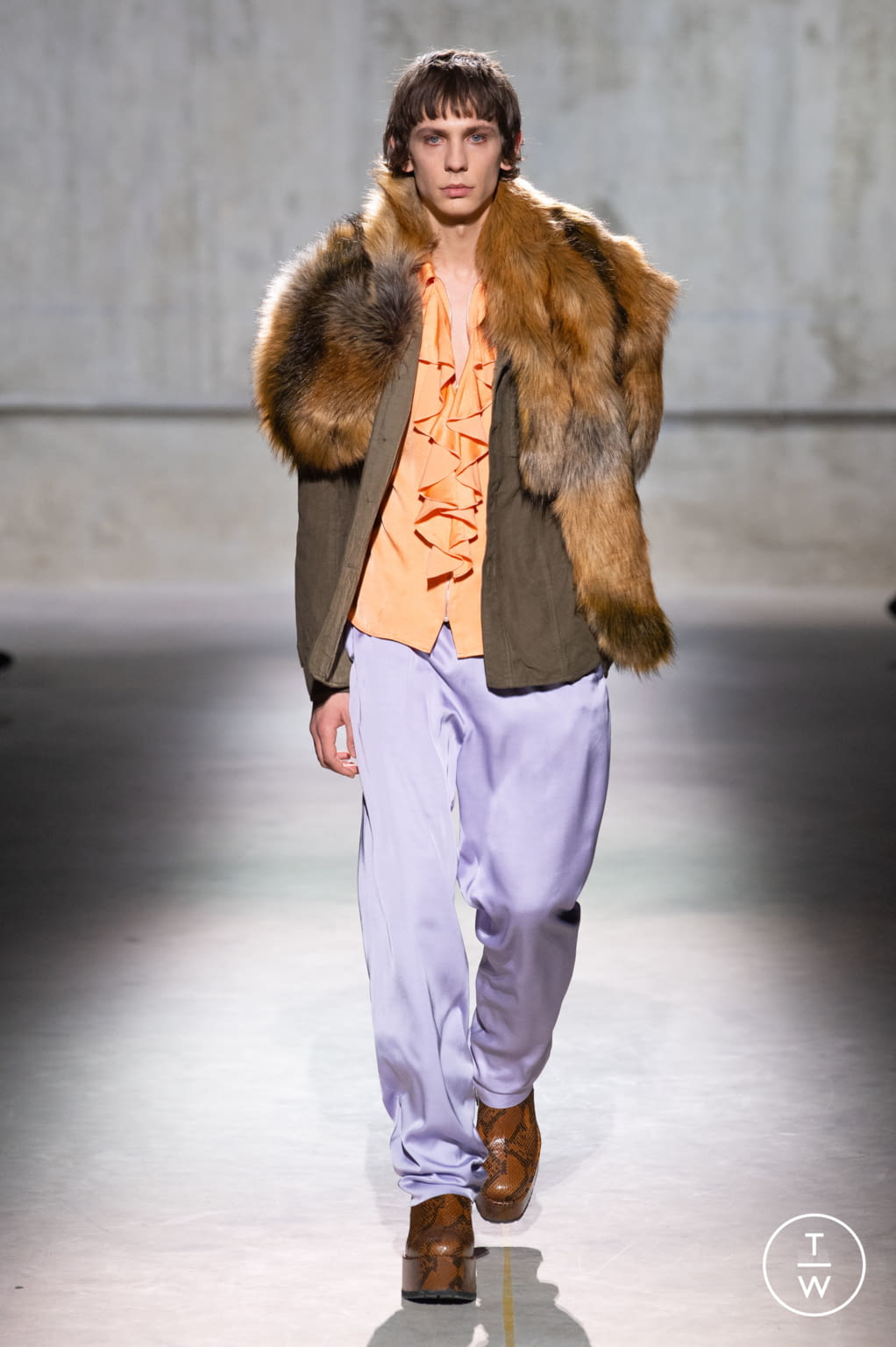 Fashion Week Paris Fall/Winter 2020 look 5 from the Dries Van Noten collection menswear