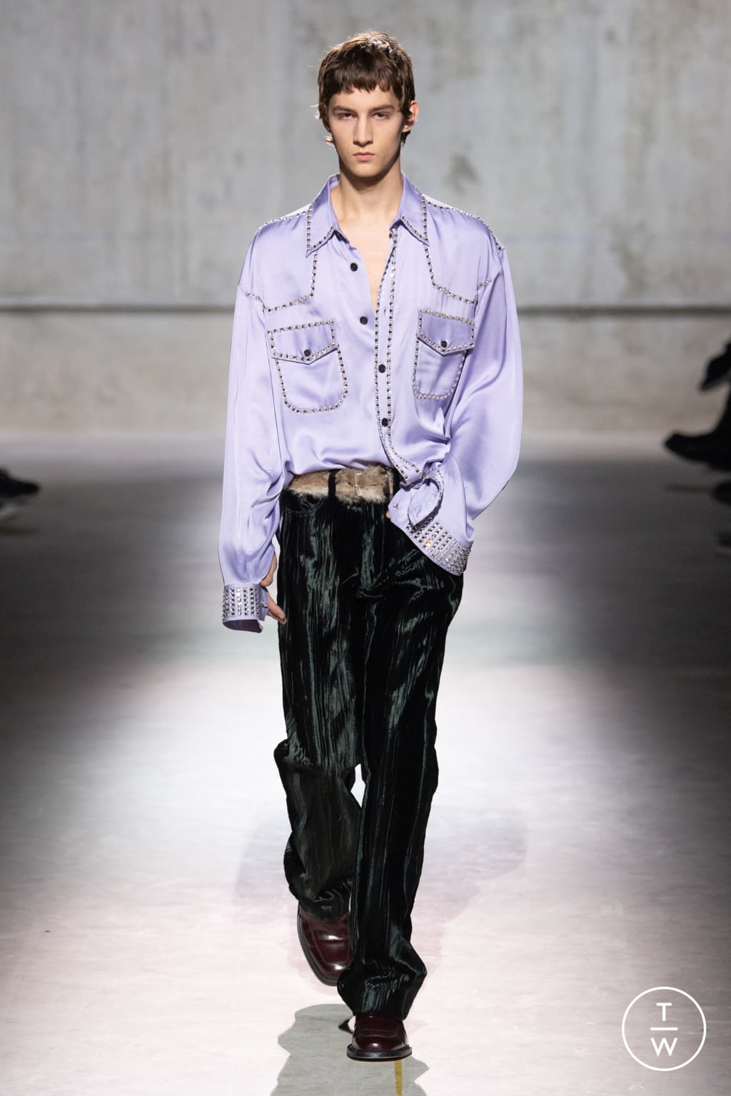 Fashion Week Paris Fall/Winter 2020 look 8 from the Dries Van Noten collection 男装