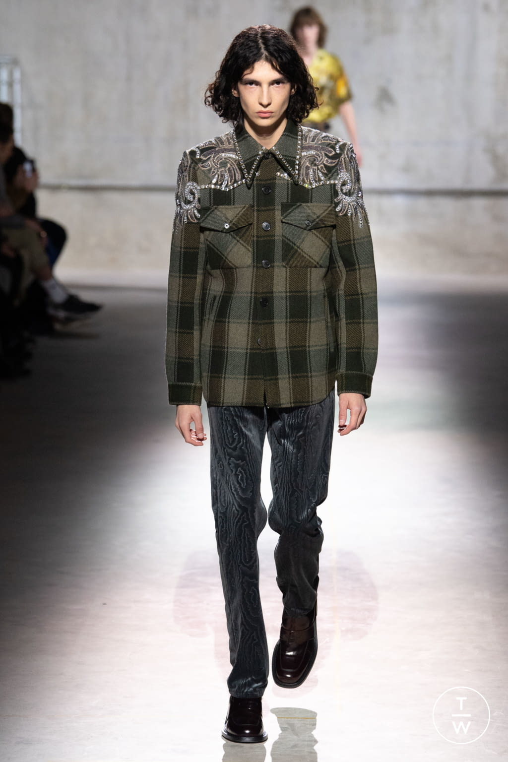 Fashion Week Paris Fall/Winter 2020 look 14 from the Dries Van Noten collection menswear