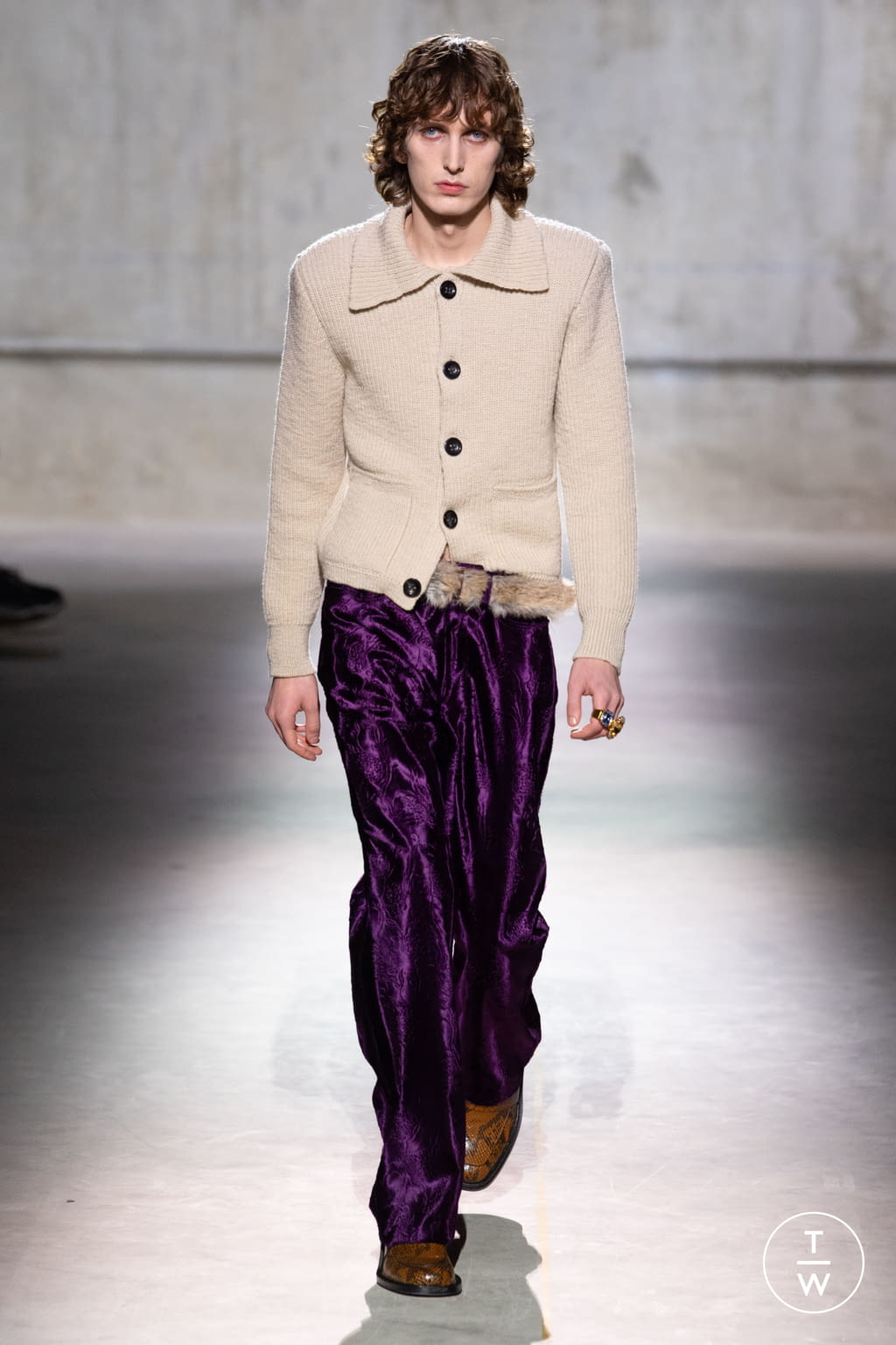 Fashion Week Paris Fall/Winter 2020 look 15 from the Dries Van Noten collection menswear
