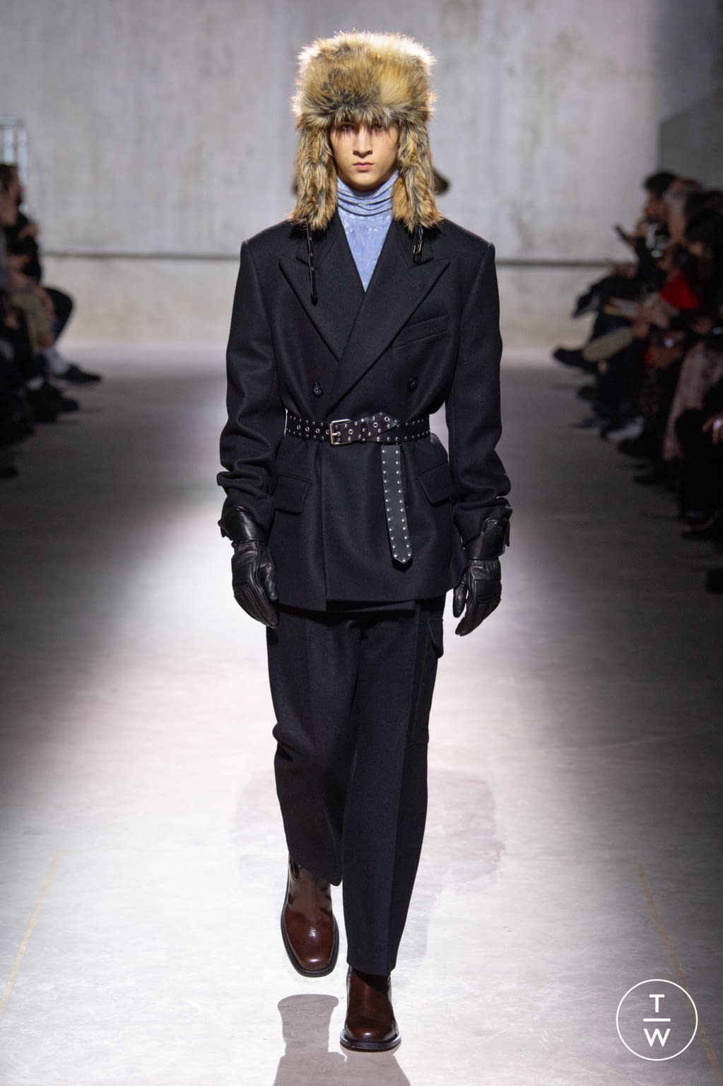 Fashion Week Paris Fall/Winter 2020 look 47 from the Dries Van Noten collection menswear