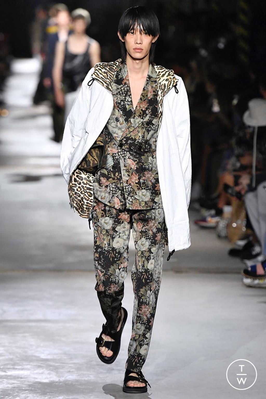 Fashion Week Paris Spring/Summer 2020 look 4 from the Dries Van Noten collection menswear