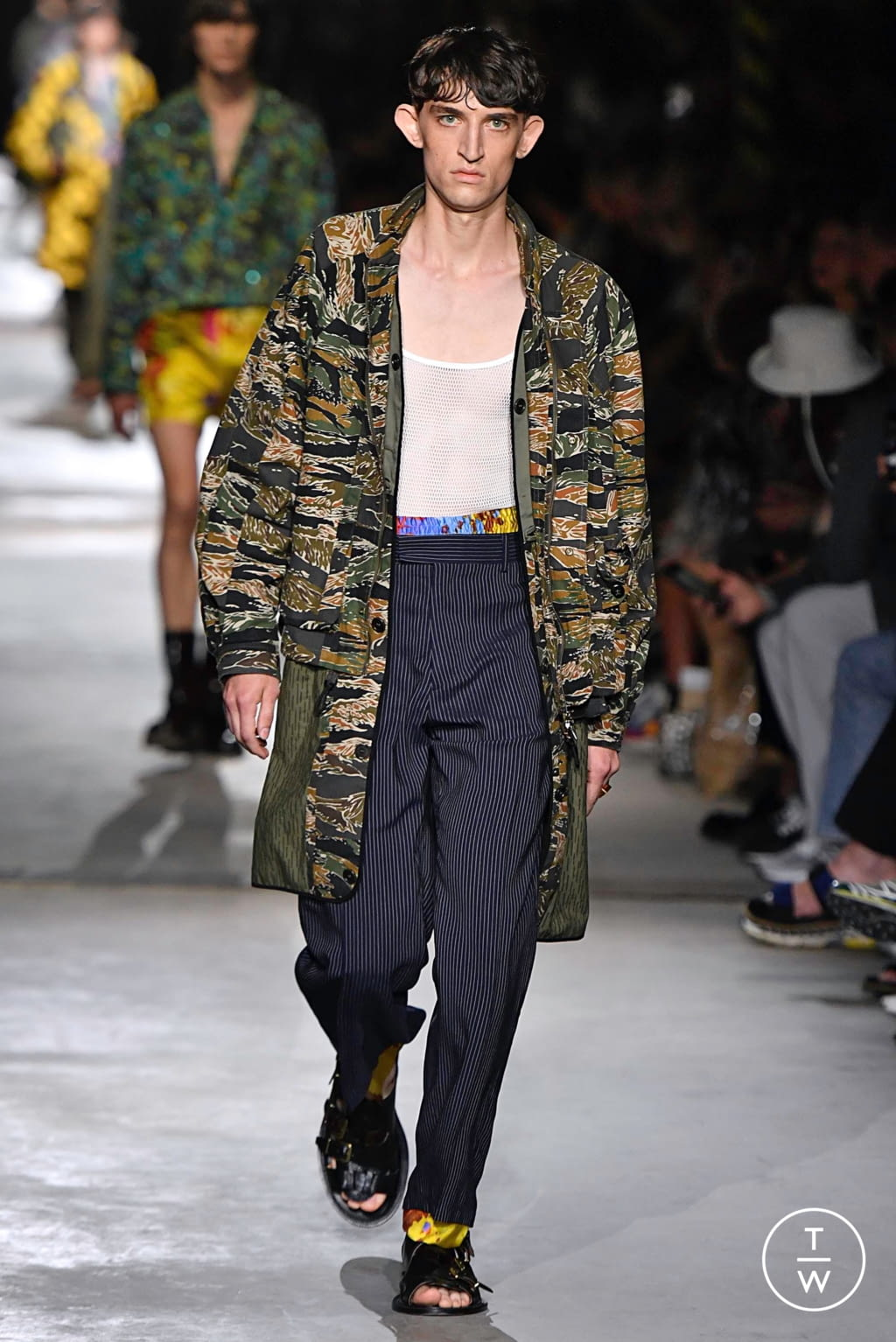 Fashion Week Paris Spring/Summer 2020 look 22 from the Dries Van Noten collection menswear