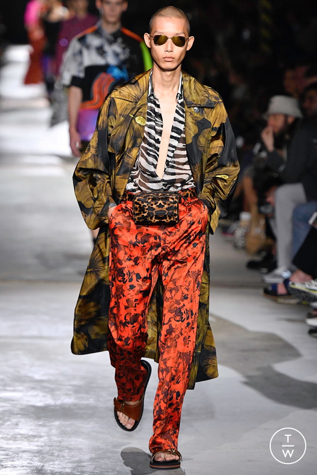 Fashion Week Paris Spring/Summer 2020 look 52 from the Dries Van Noten collection menswear
