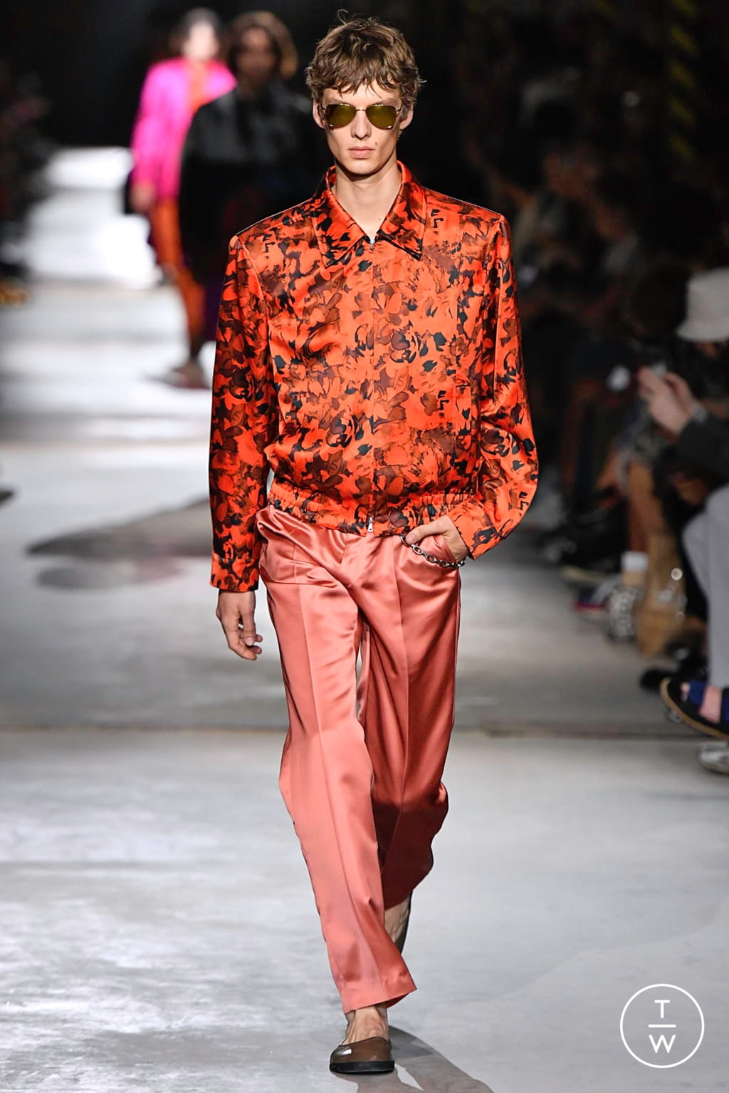 Fashion Week Paris Spring/Summer 2020 look 57 from the Dries Van Noten collection 男装
