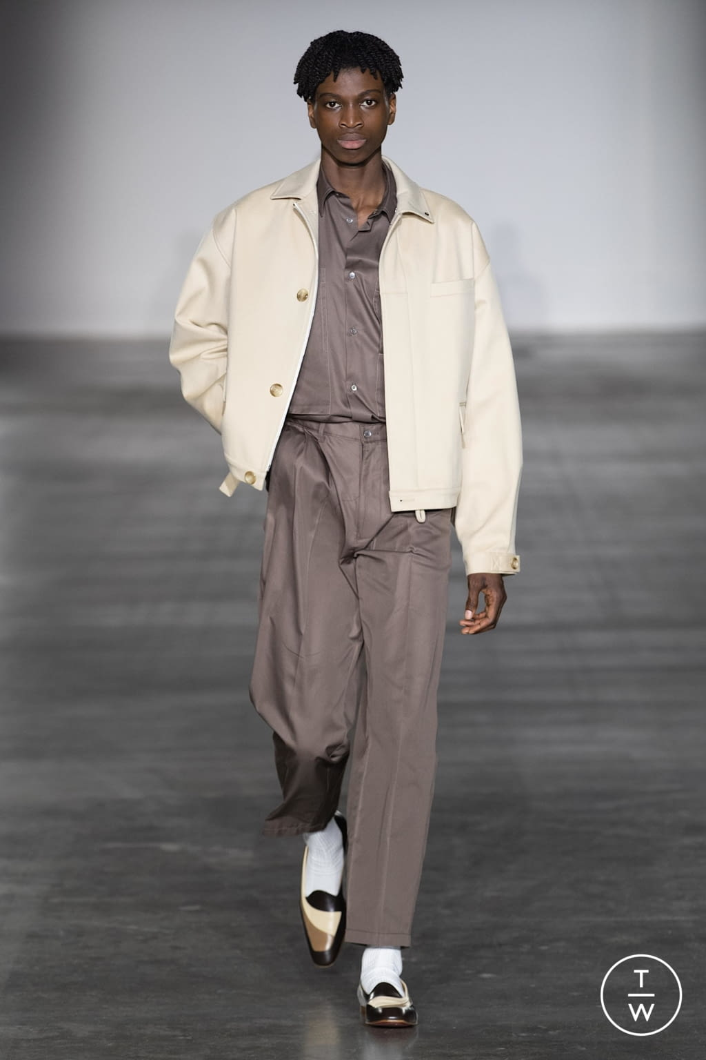 Fashion Week London Fall/Winter 2020 look 2 from the E. Tautz collection menswear