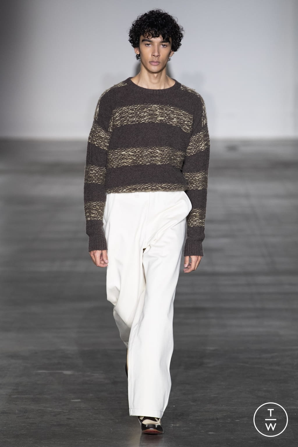Fashion Week London Fall/Winter 2020 look 4 from the E. Tautz collection menswear