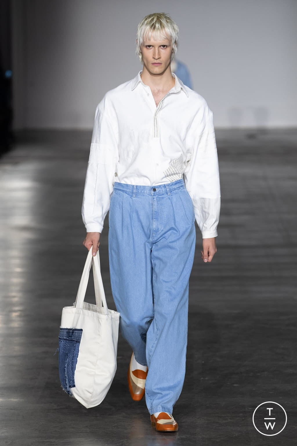 Fashion Week London Fall/Winter 2020 look 19 from the E. Tautz collection menswear