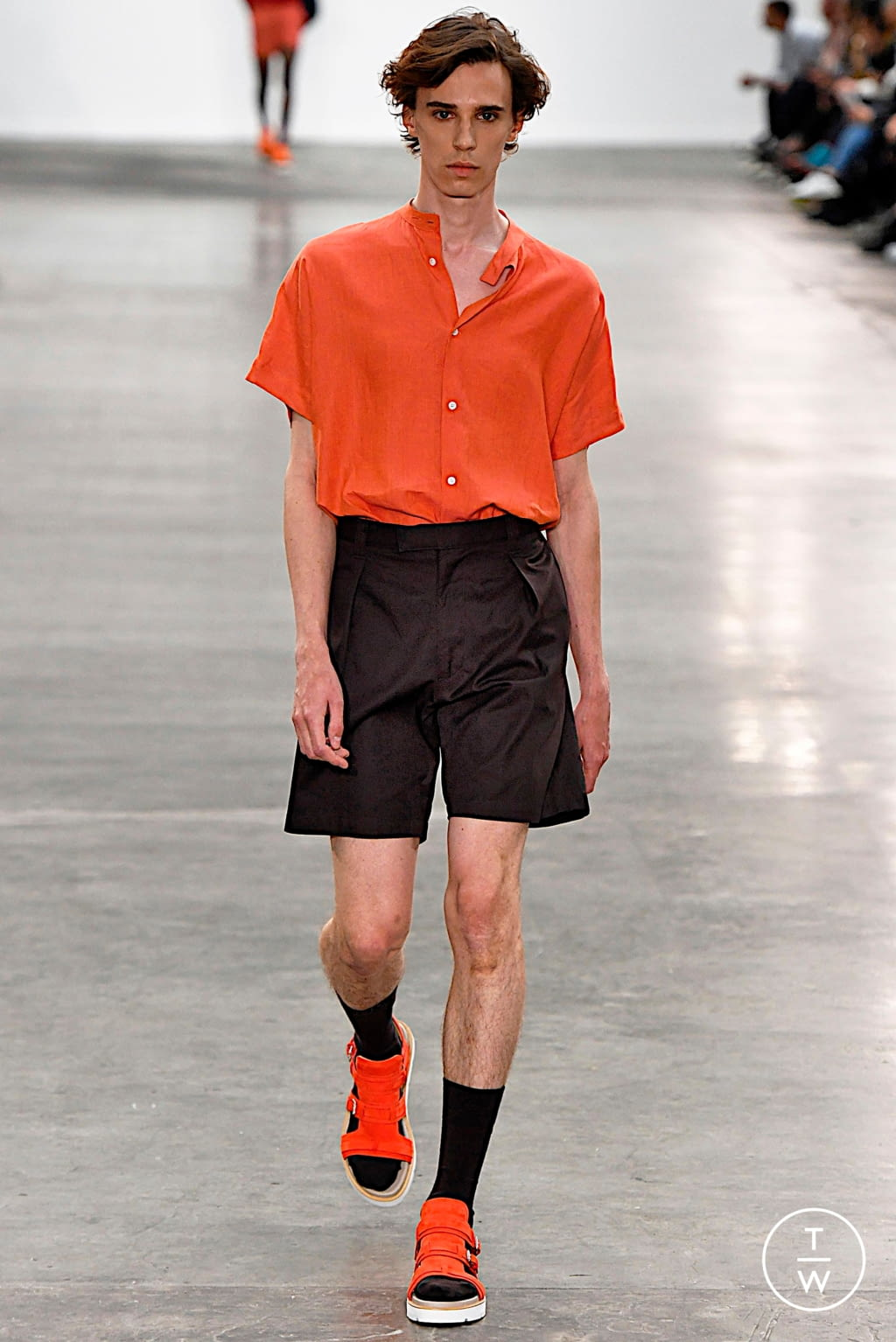 Fashion Week London Spring/Summer 2020 look 24 from the E. Tautz collection 男装