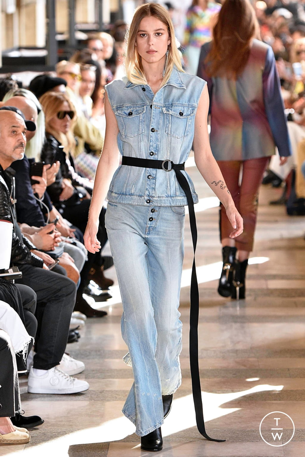 Fashion Week Paris Spring/Summer 2019 look 18 from the Each x Other collection 女装