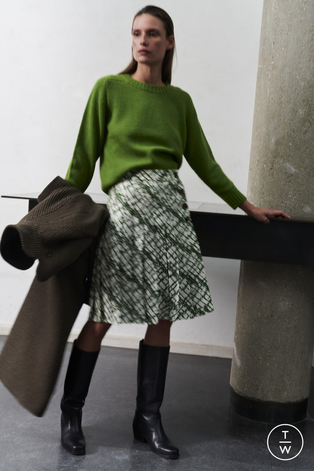 Fashion Week Paris Fall/Winter 2021 look 59 from the Soeur collection womenswear