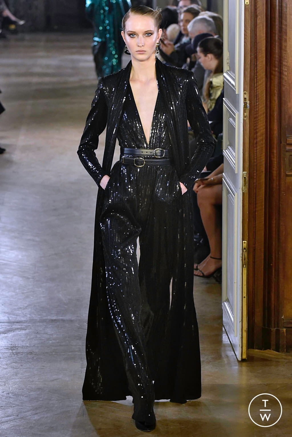 Fashion Week Paris Fall/Winter 2019 look 23 from the Elie Saab collection 女装