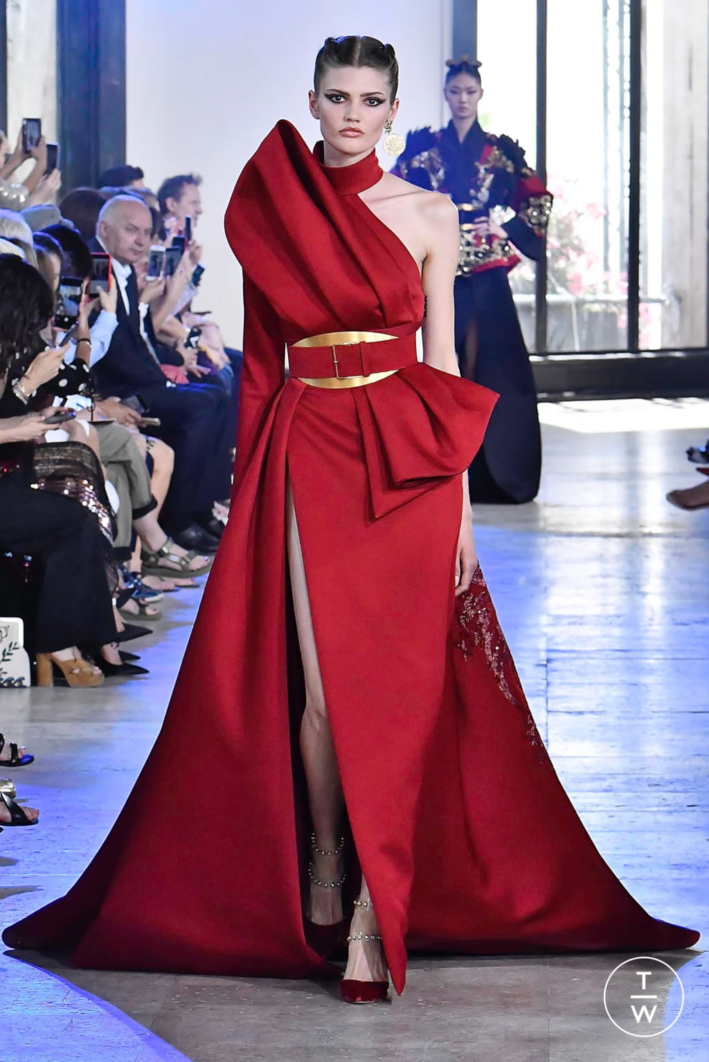 Fashion Week Paris Fall/Winter 2019 look 2 from the Elie Saab collection couture