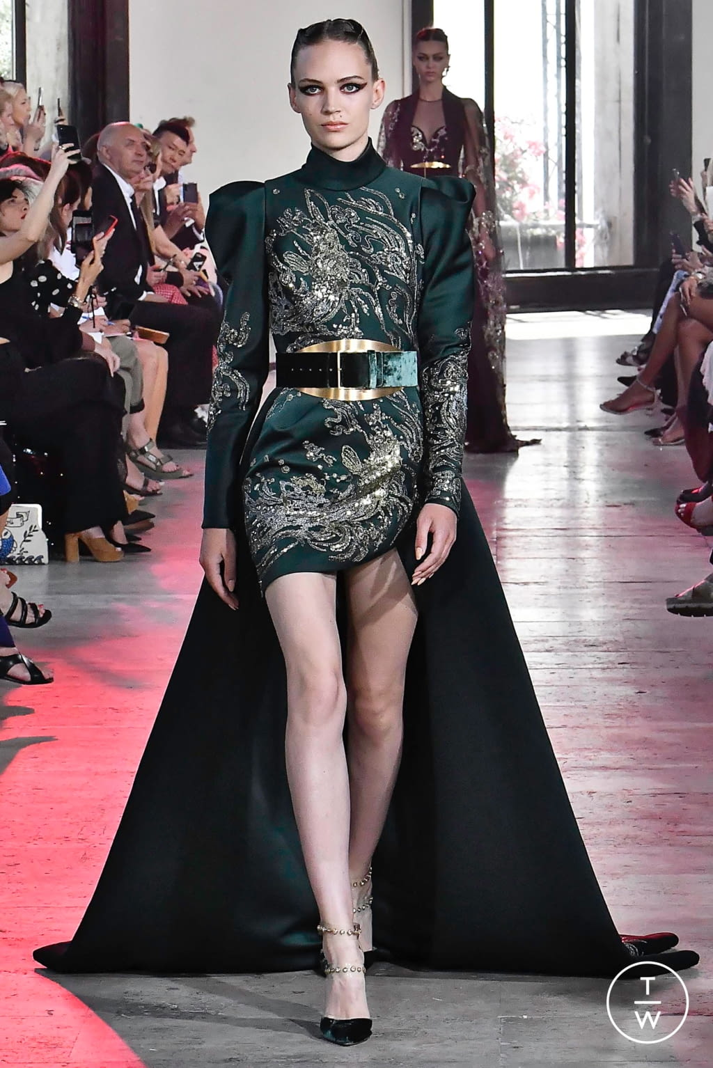 Fashion Week Paris Fall/Winter 2019 look 17 from the Elie Saab collection couture