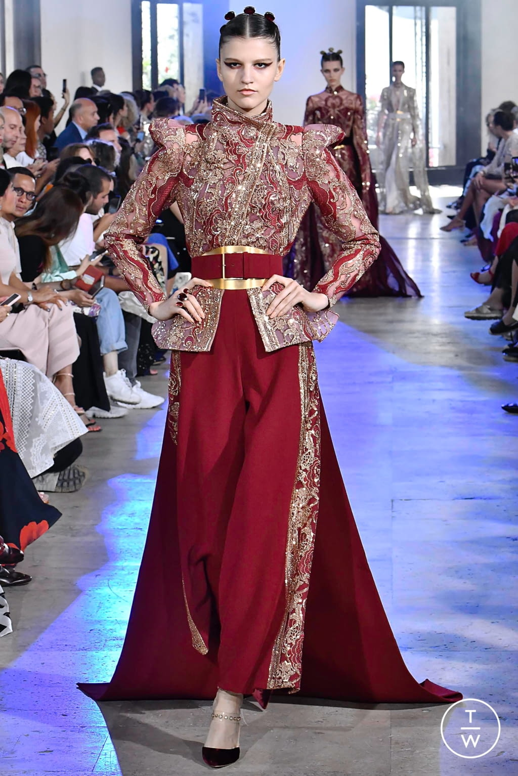 Fashion Week Paris Fall/Winter 2019 look 27 from the Elie Saab collection couture