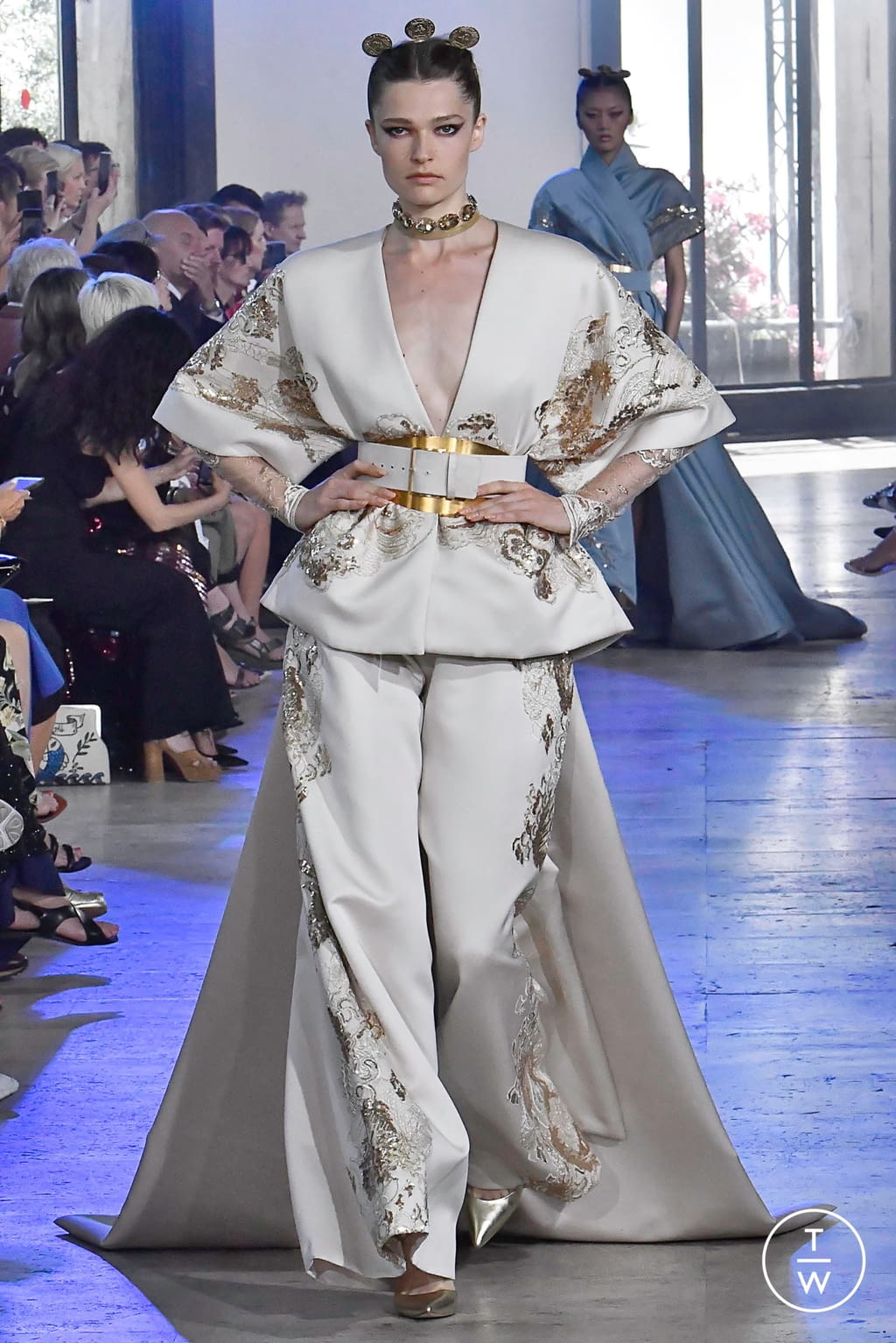 Fashion Week Paris Fall/Winter 2019 look 30 from the Elie Saab collection 高级定制