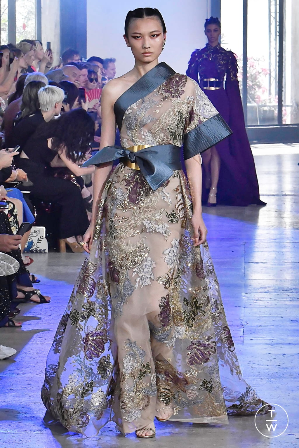 Fashion Week Paris Fall/Winter 2019 look 33 from the Elie Saab collection couture