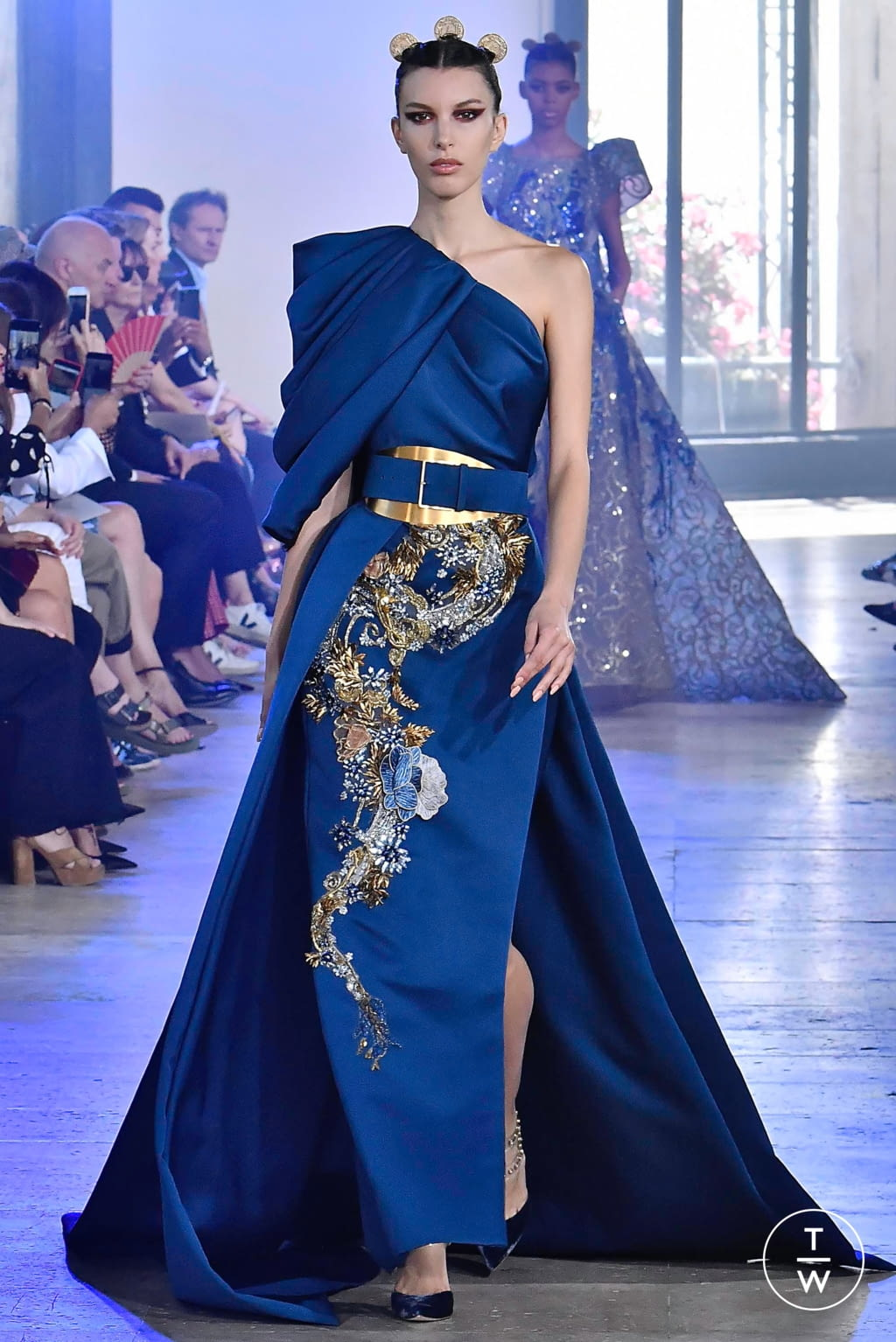 Fashion Week Paris Fall/Winter 2019 look 37 from the Elie Saab collection couture