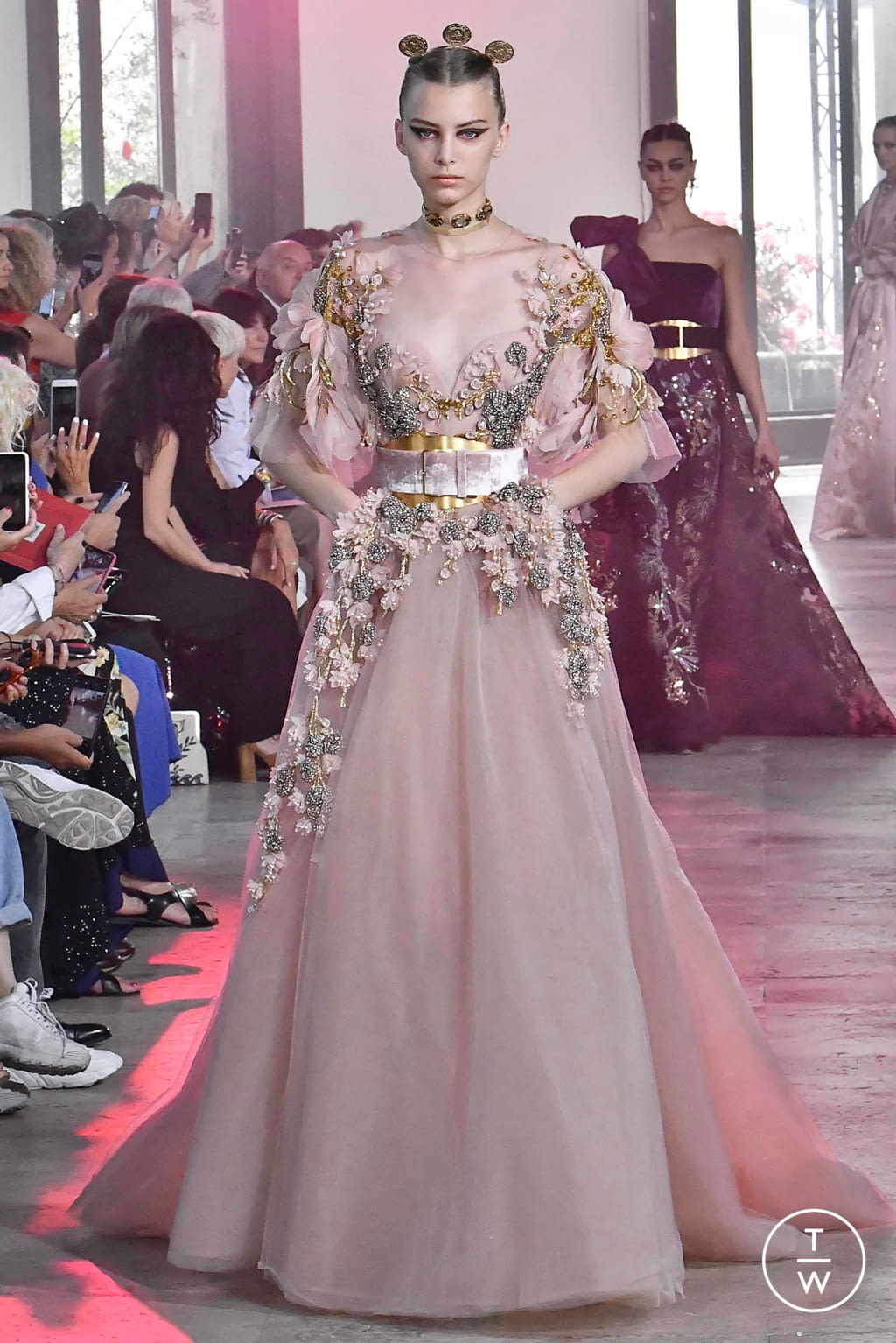 Fashion Week Paris Fall/Winter 2019 look 45 from the Elie Saab collection couture