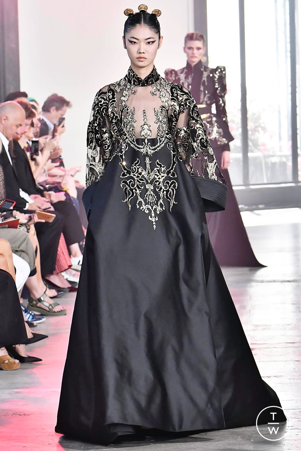 Fashion Week Paris Fall/Winter 2019 look 54 from the Elie Saab collection couture