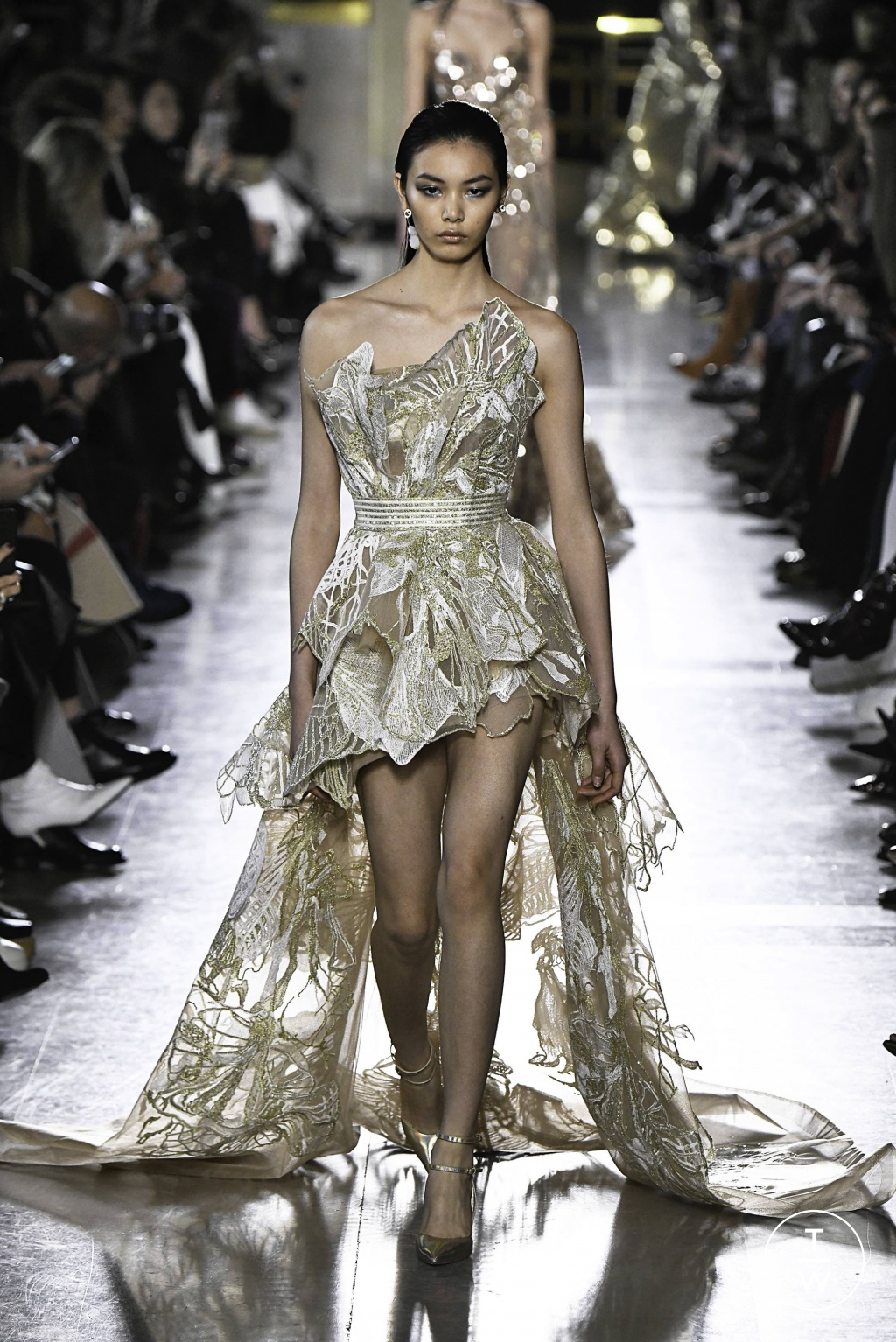 Fashion Week Paris Spring/Summer 2019 look 38 from the Elie Saab collection 高级定制