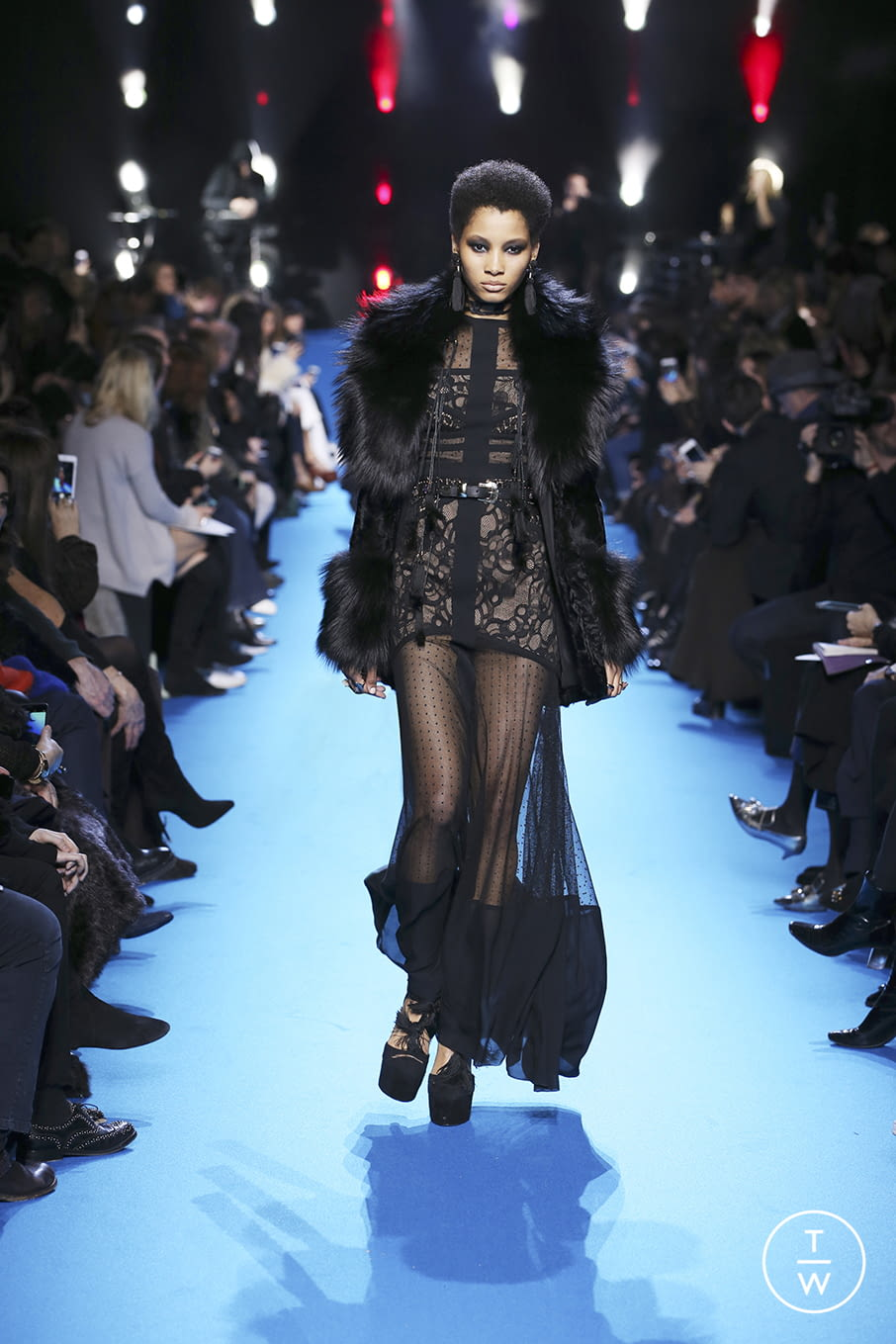 Fashion Week Paris Fall/Winter 2016 look 48 from the Elie Saab collection 女装
