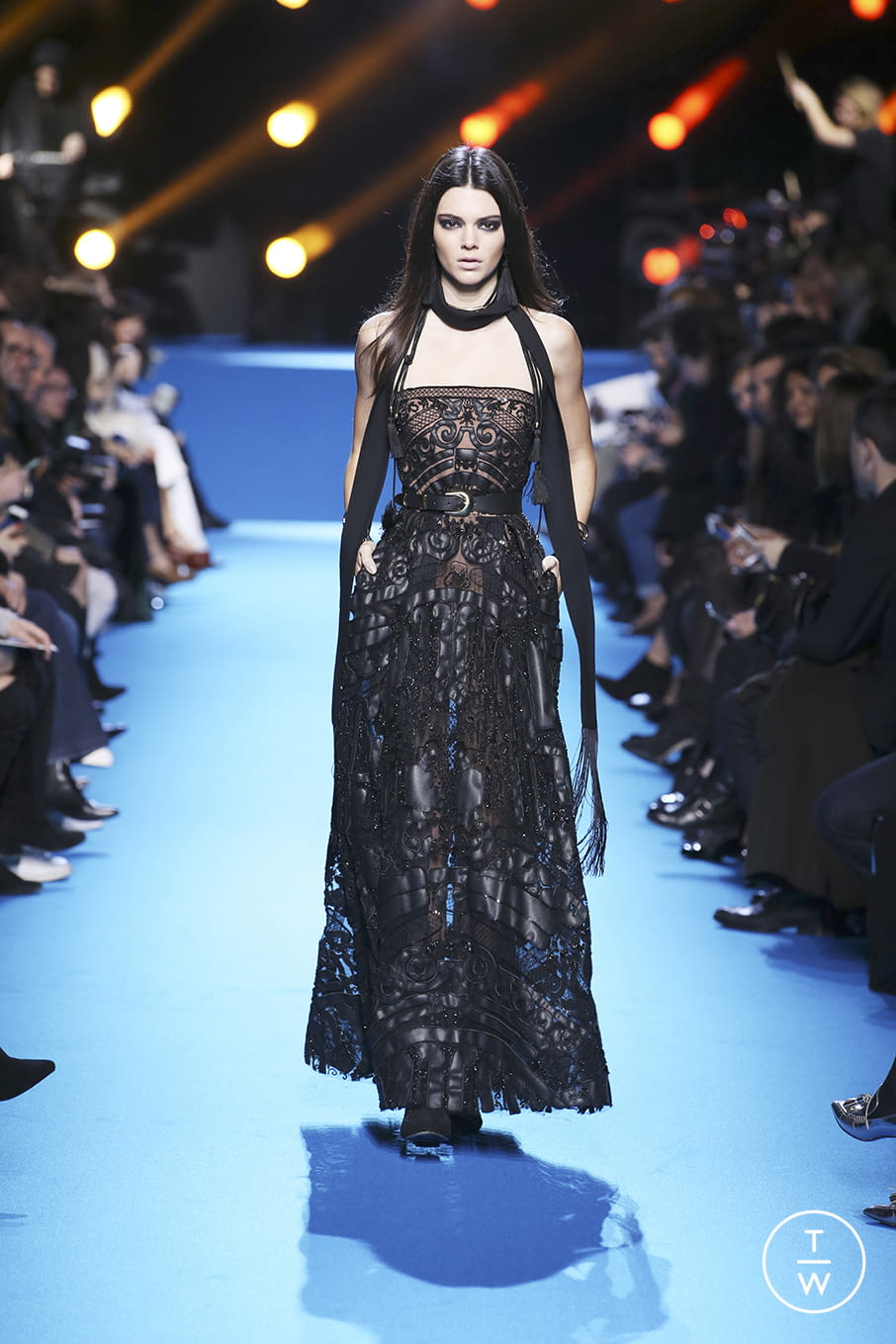 Fashion Week Paris Fall/Winter 2016 look 56 from the Elie Saab collection 女装