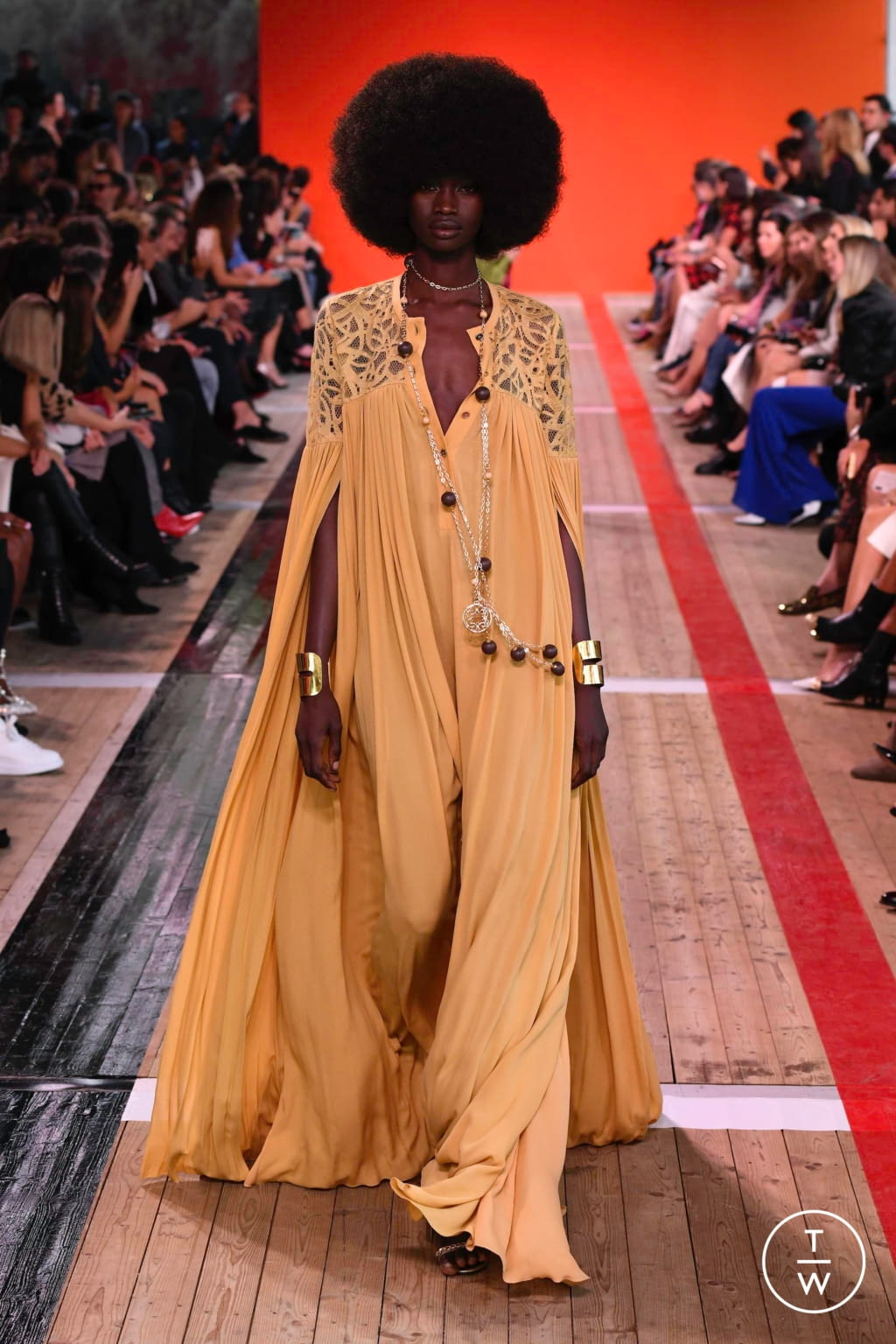 Fashion Week Paris Spring/Summer 2020 look 24 from the Elie Saab collection 女装