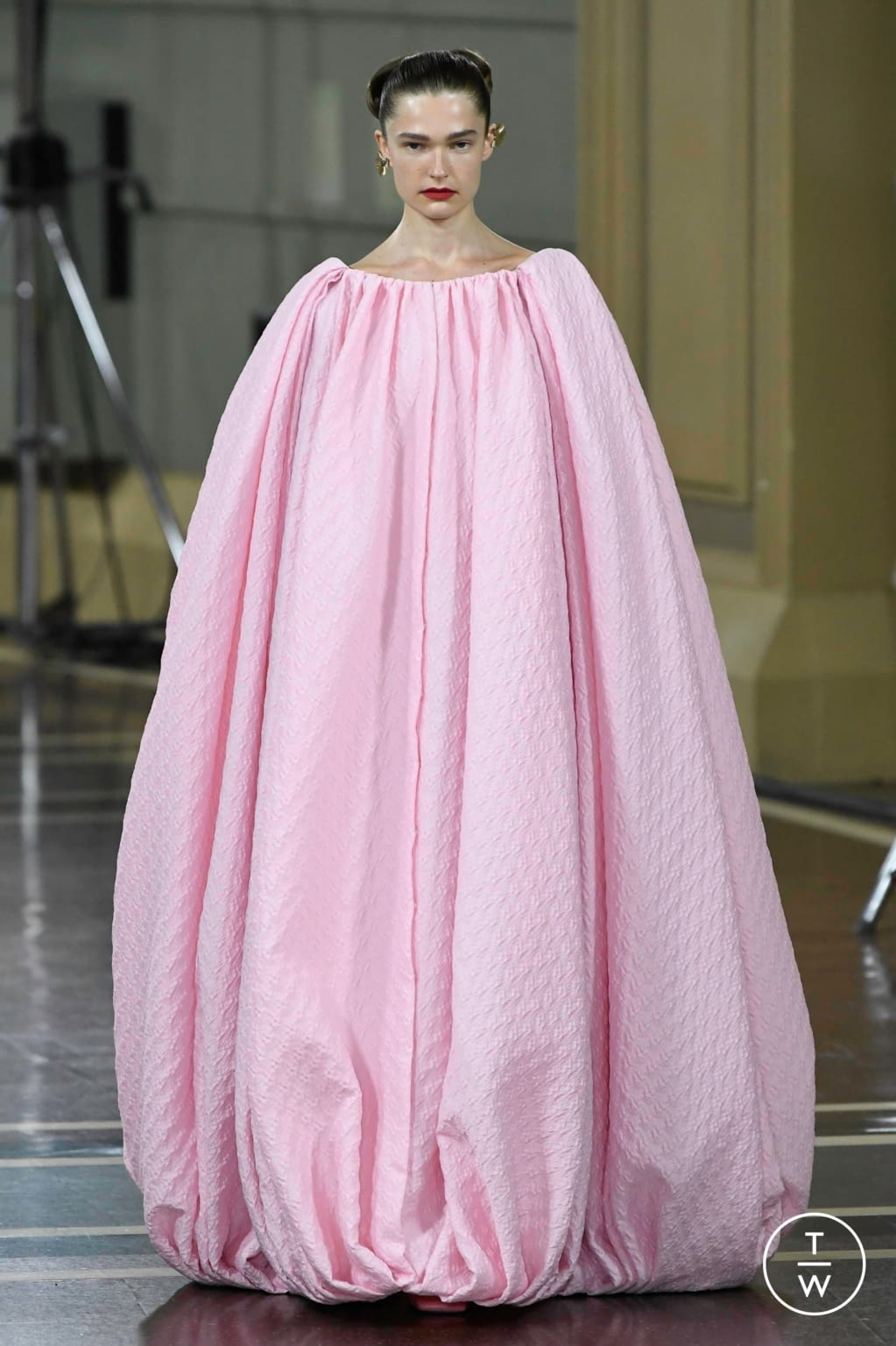 Fashion Week London Spring/Summer 2020 look 36 from the Emilia Wickstead collection womenswear