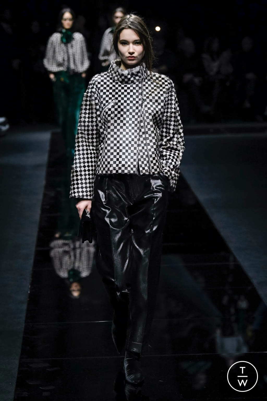 Fashion Week Milan Fall/Winter 2020 look 37 from the Emporio Armani collection 女装