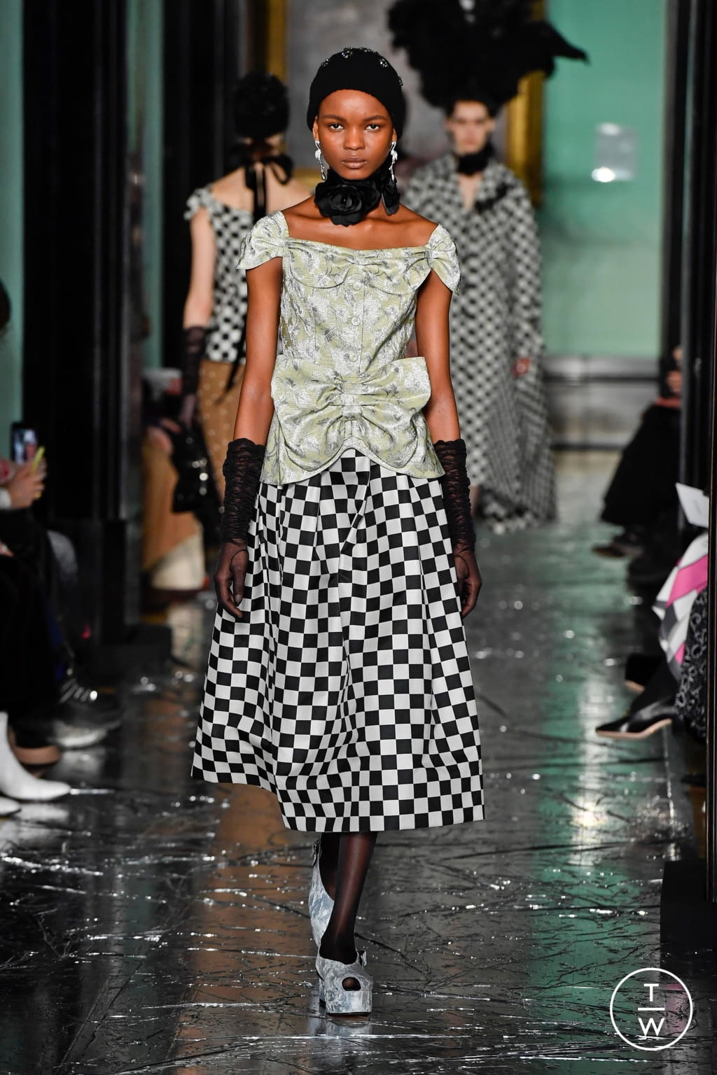 Fashion Week London Fall/Winter 2020 look 8 from the Erdem collection womenswear