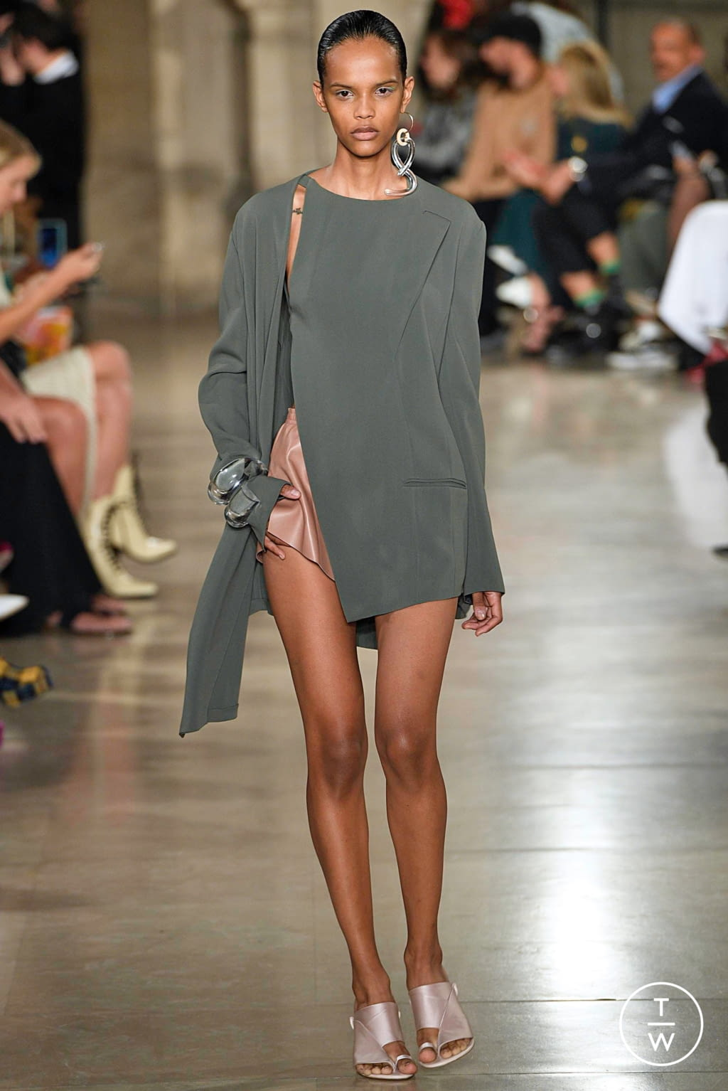 Fashion Week Paris Spring/Summer 2019 look 1 de la collection Esteban Cortazar womenswear