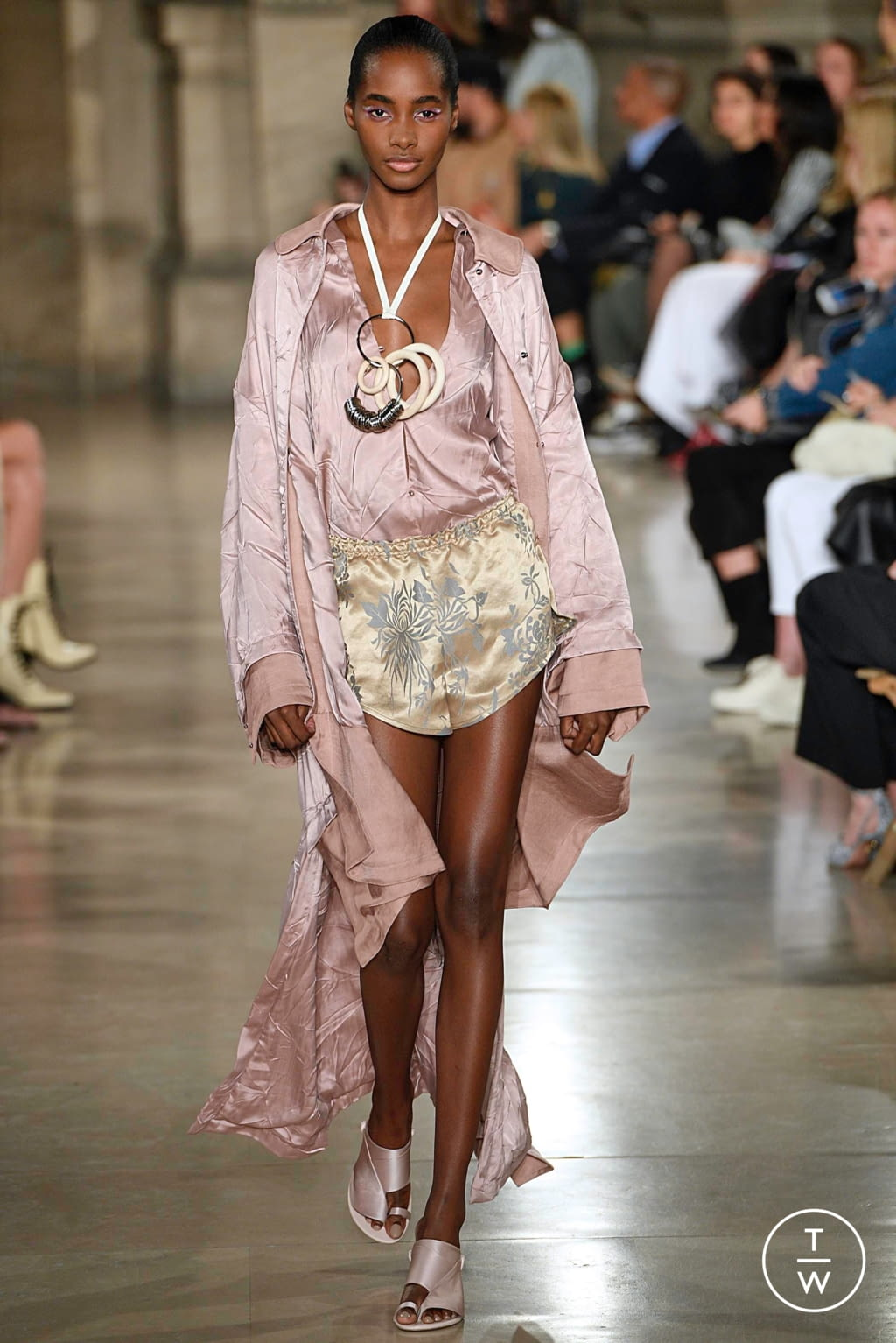 Fashion Week Paris Spring/Summer 2019 look 2 from the Esteban Cortazar collection womenswear