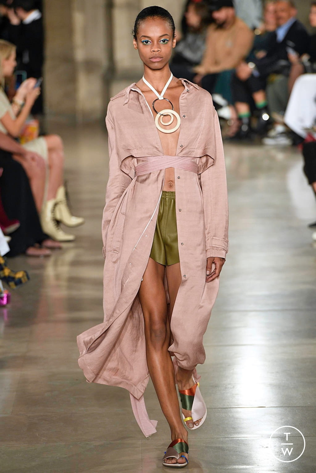 Fashion Week Paris Spring/Summer 2019 look 6 from the Esteban Cortazar collection womenswear