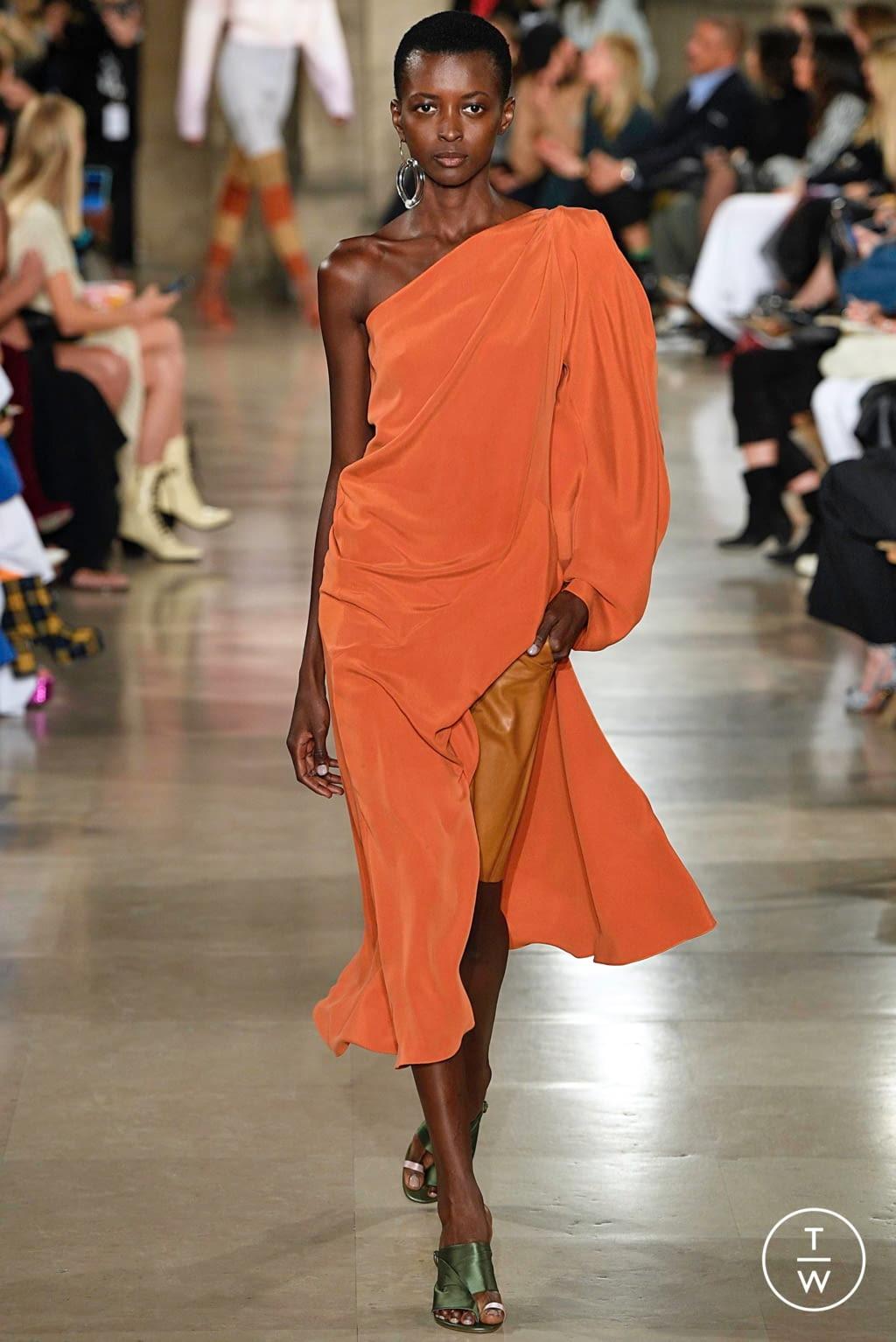 Fashion Week Paris Spring/Summer 2019 look 22 from the Esteban Cortazar collection womenswear