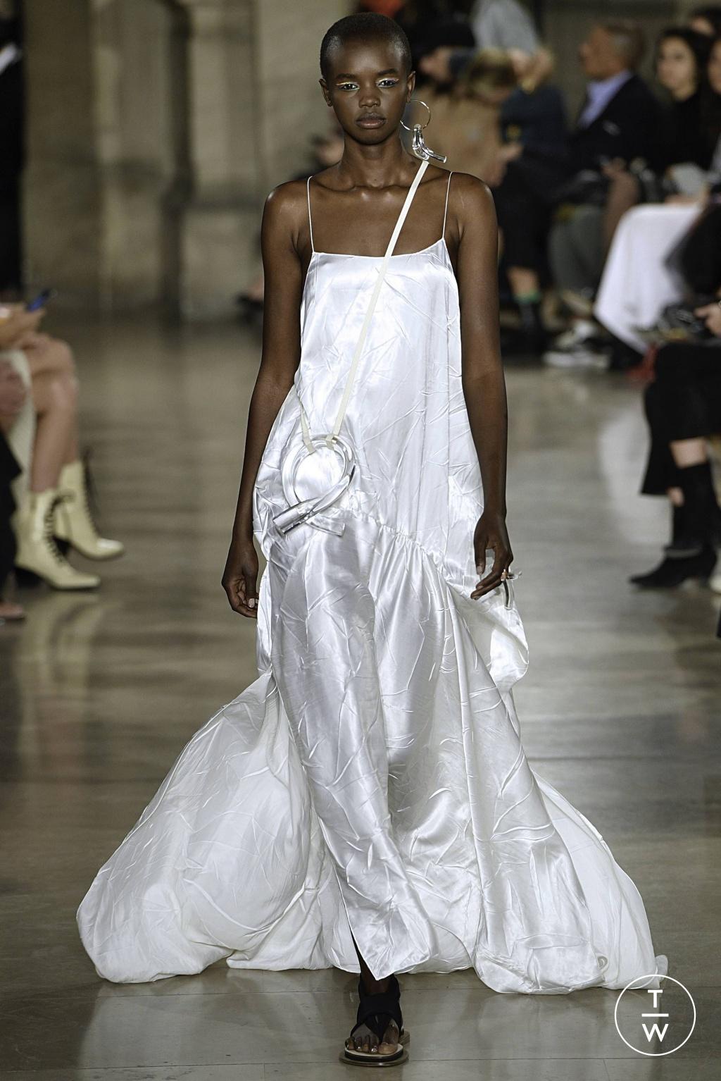 Fashion Week Paris Spring/Summer 2019 look 29 from the Esteban Cortazar collection womenswear