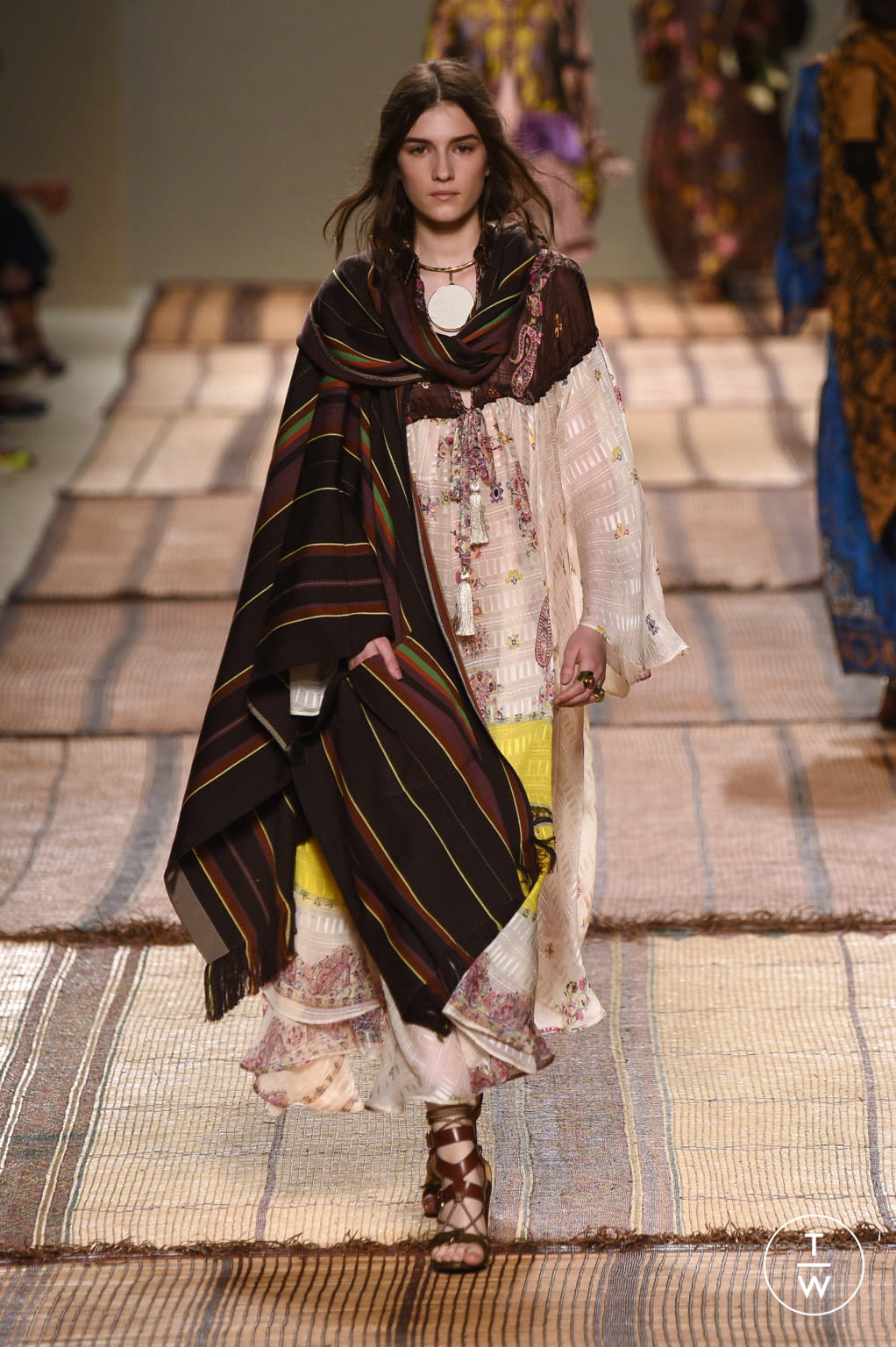 Fashion Week Milan Spring/Summer 2017 look 16 from the Etro collection womenswear