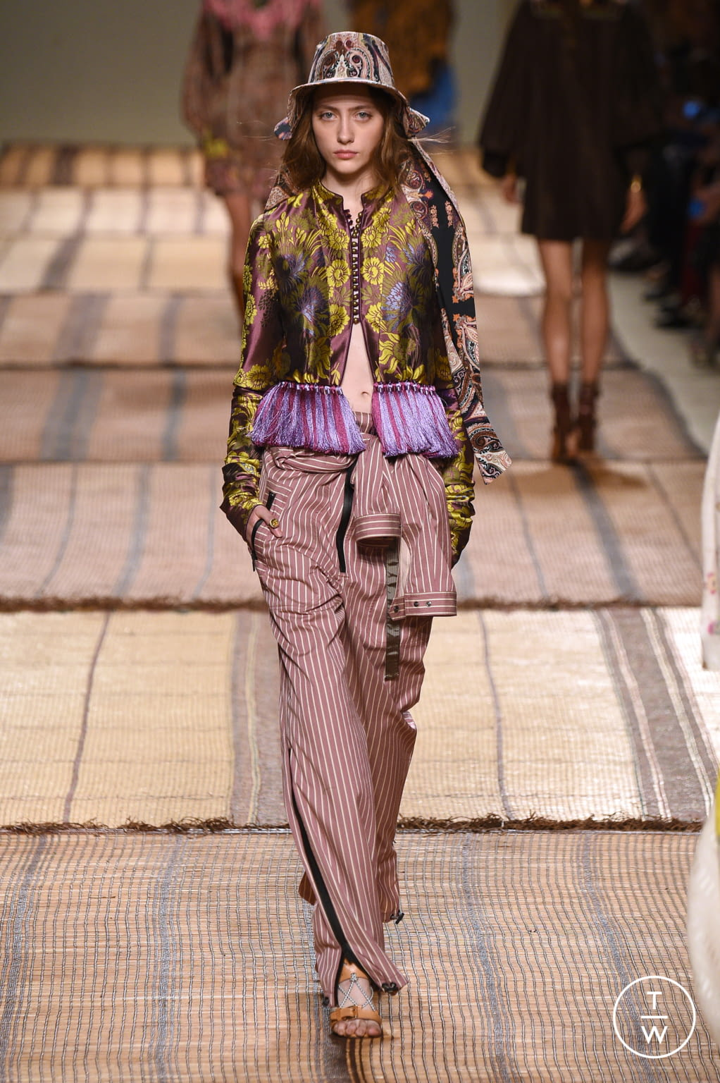 Fashion Week Milan Spring/Summer 2017 look 17 from the Etro collection womenswear