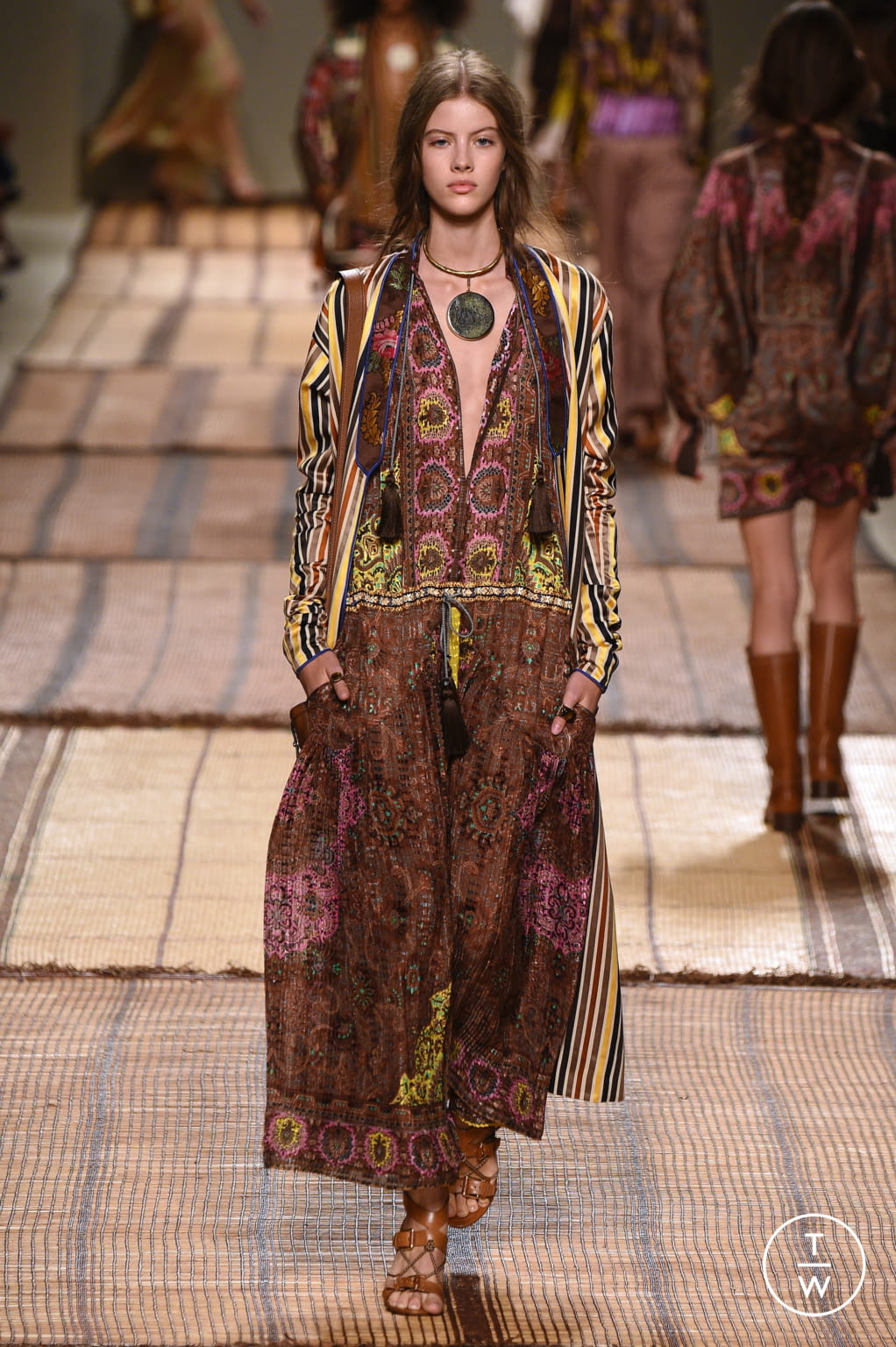 Fashion Week Milan Spring/Summer 2017 look 19 from the Etro collection womenswear