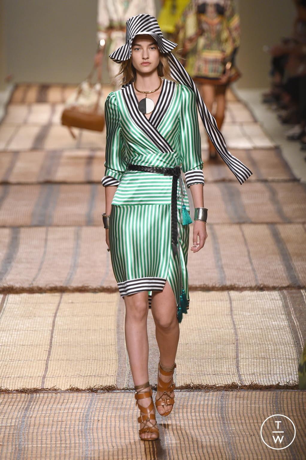 Fashion Week Milan Spring/Summer 2017 look 31 from the Etro collection 女装