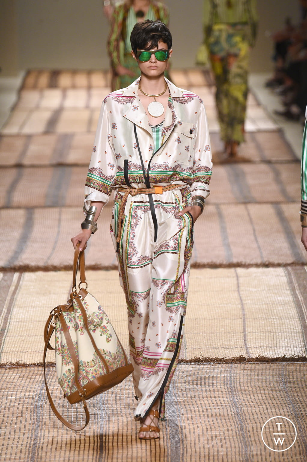 Fashion Week Milan Spring/Summer 2017 look 32 from the Etro collection womenswear