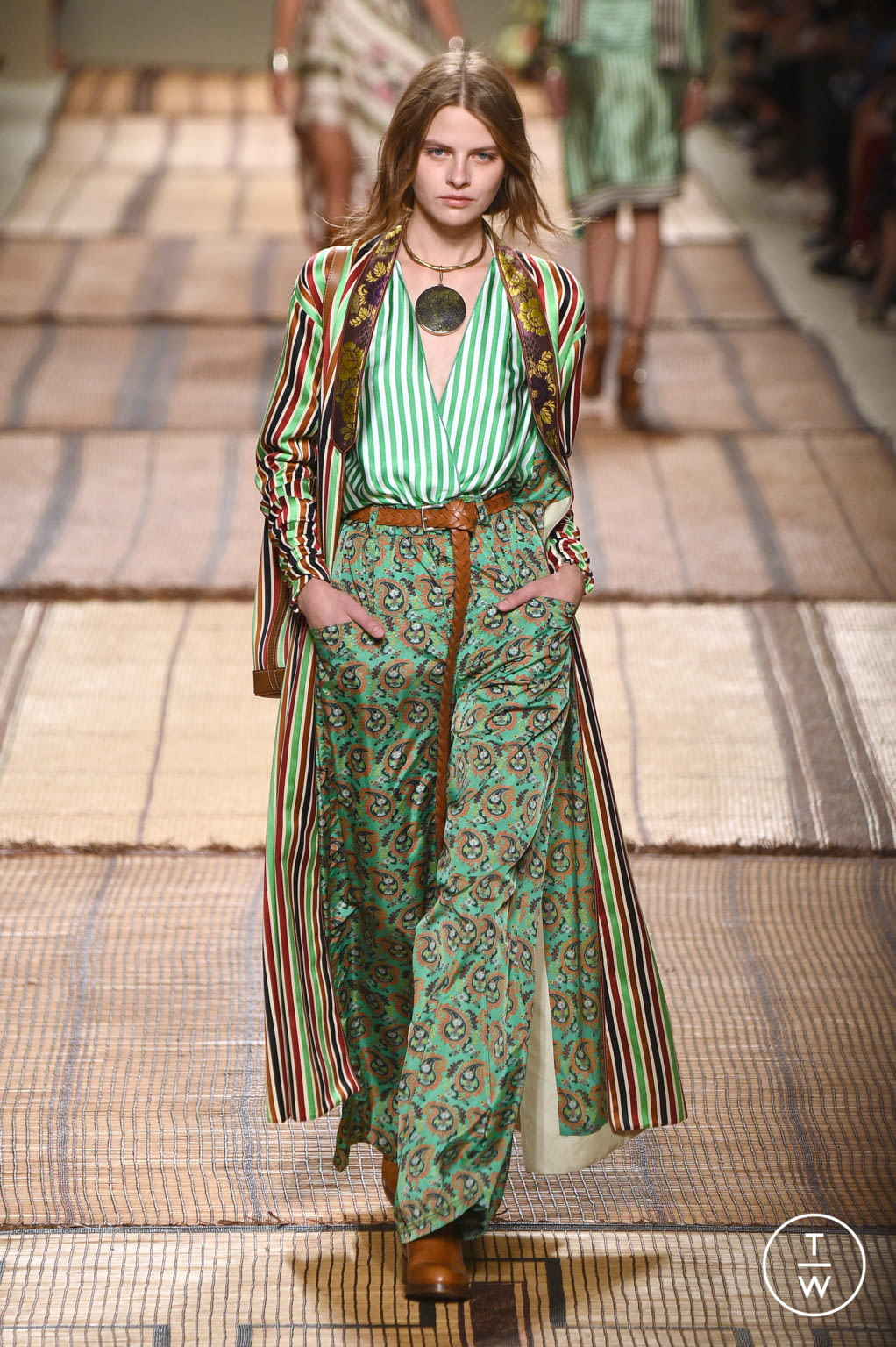 Fashion Week Milan Spring/Summer 2017 look 33 from the Etro collection womenswear