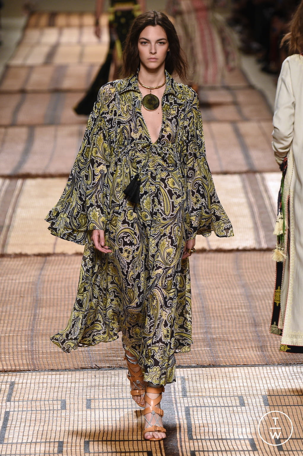 Fashion Week Milan Spring/Summer 2017 look 38 from the Etro collection 女装