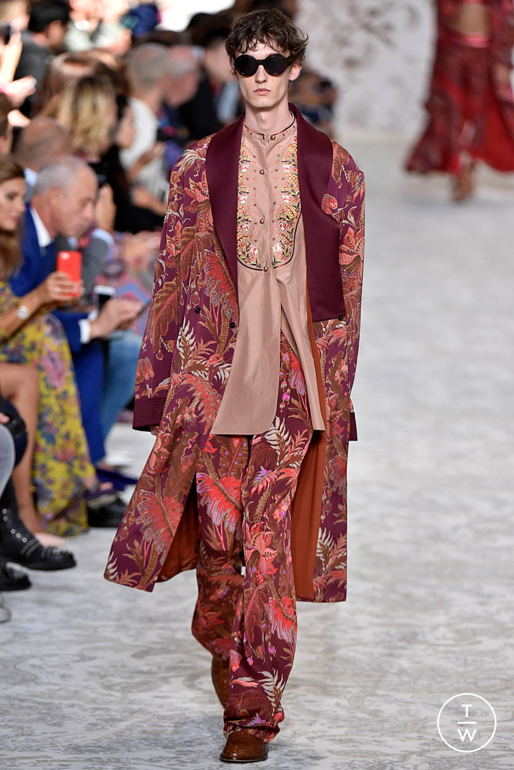 Fashion Week Milan Spring/Summer 2018 look 47 from the Etro collection 女装