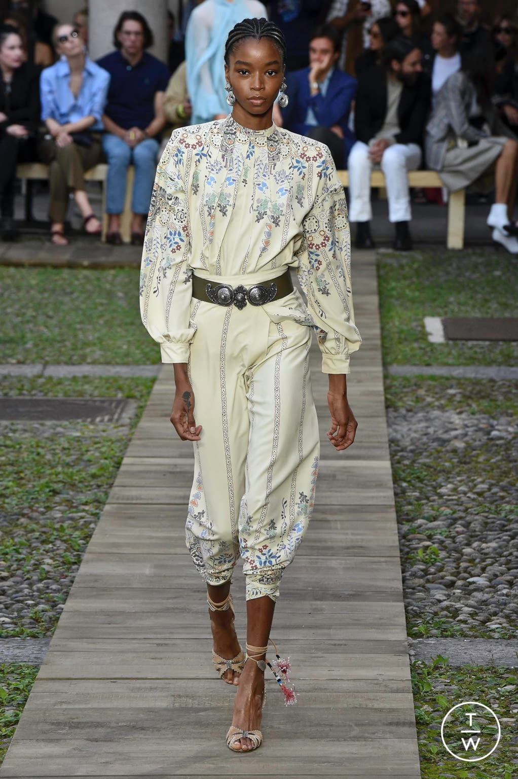 Fashion Week Milan Spring/Summer 2020 look 6 from the Etro collection womenswear