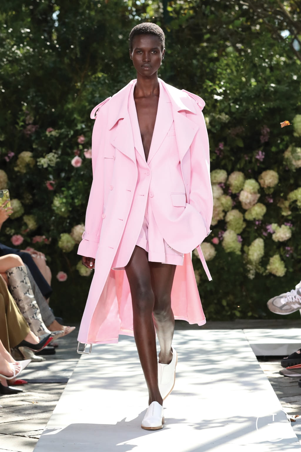 Fashion Week New York Spring/Summer 2022 look 23 from the Michael Kors Collection collection womenswear