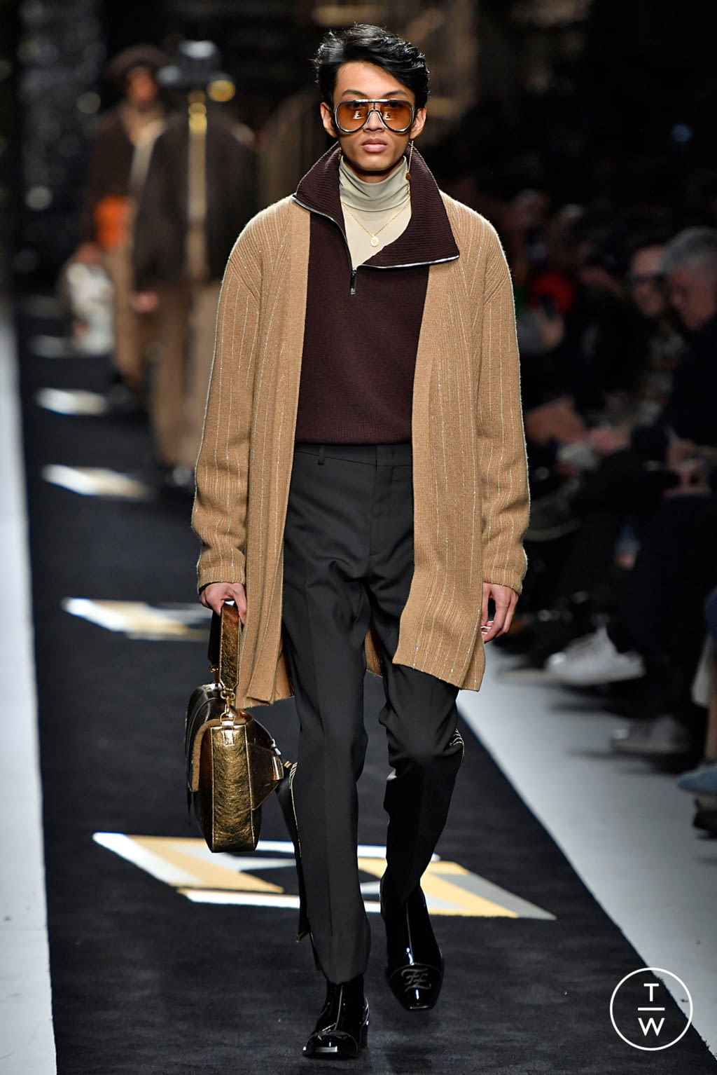 Fashion Week Milan Fall/Winter 2019 look 18 from the Fendi collection menswear